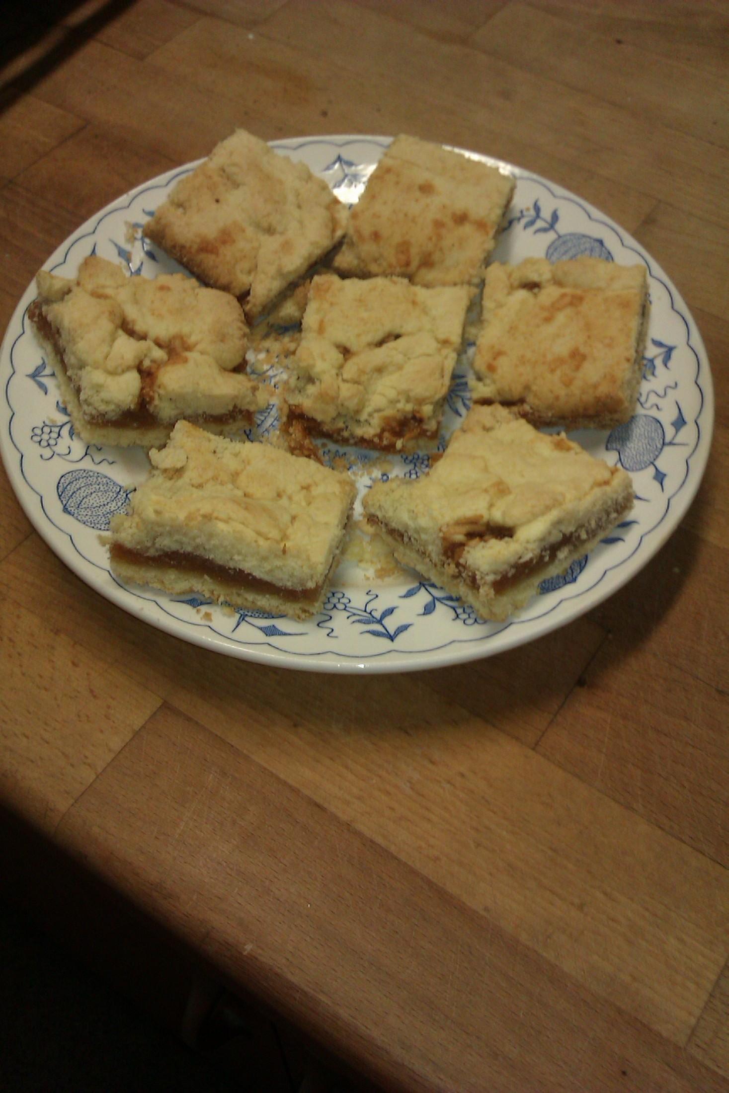 Fotografie receptu: Bezlepkové jablečné řezy