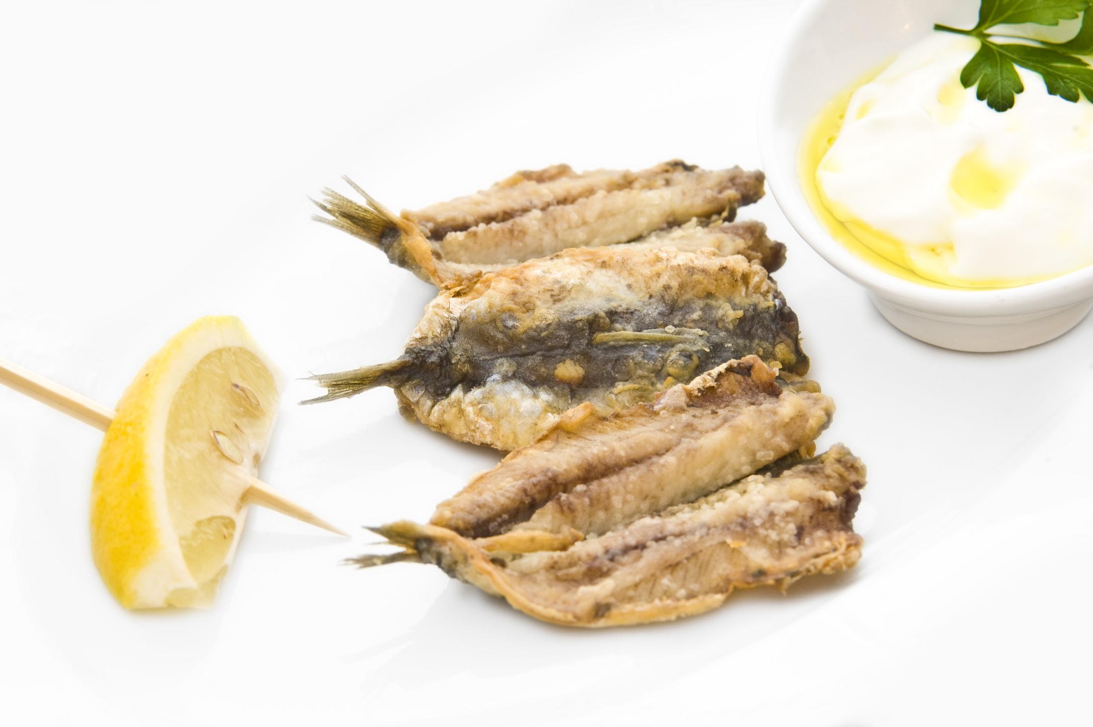 Fritované sardinky s domácí majonézou alioli