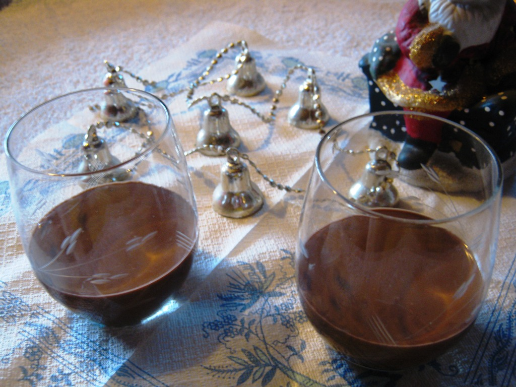 Fotografie receptu: Tmavý kaštanový likér