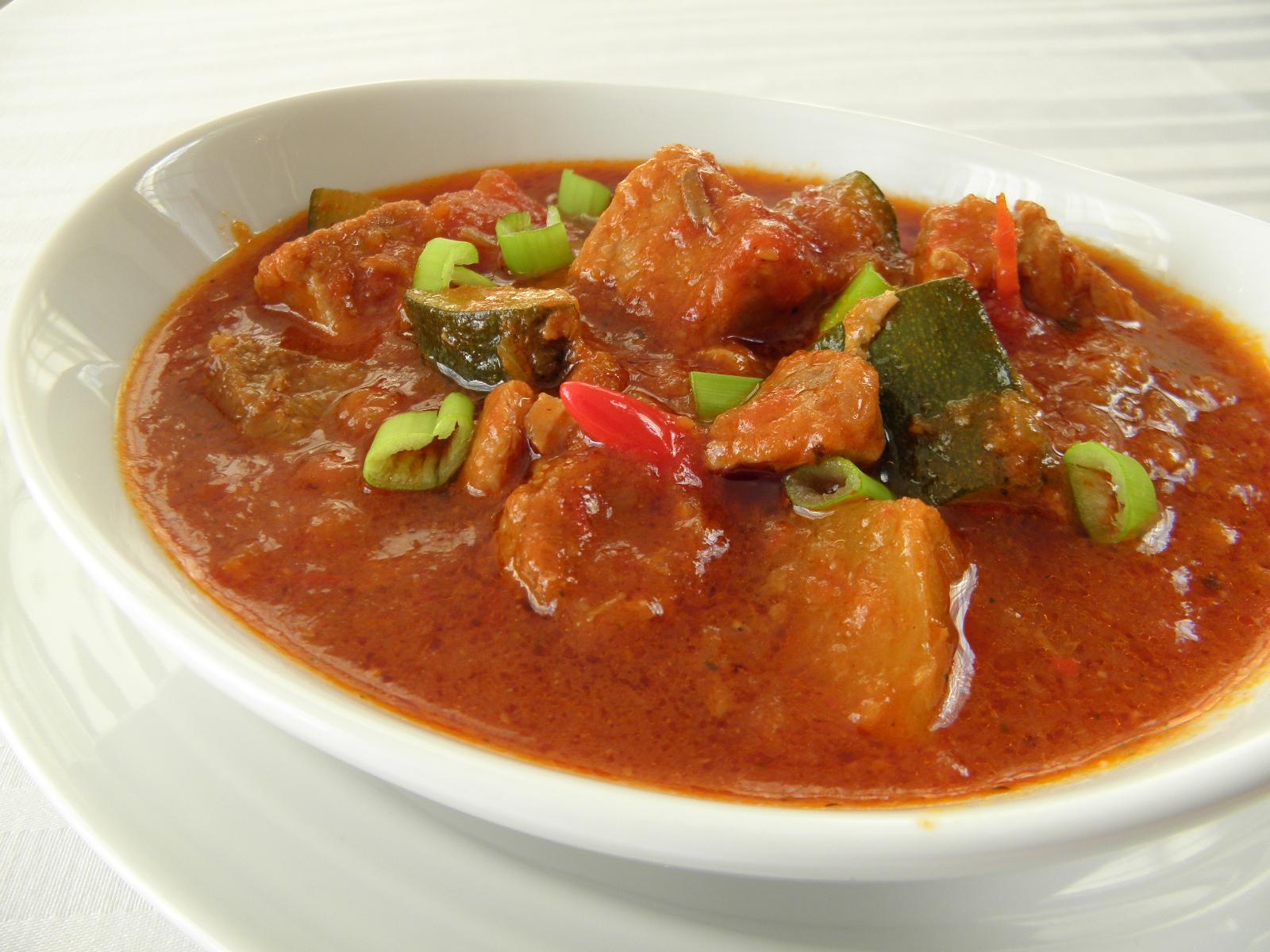 Fotografie receptu: Vepřový guláš na chilli