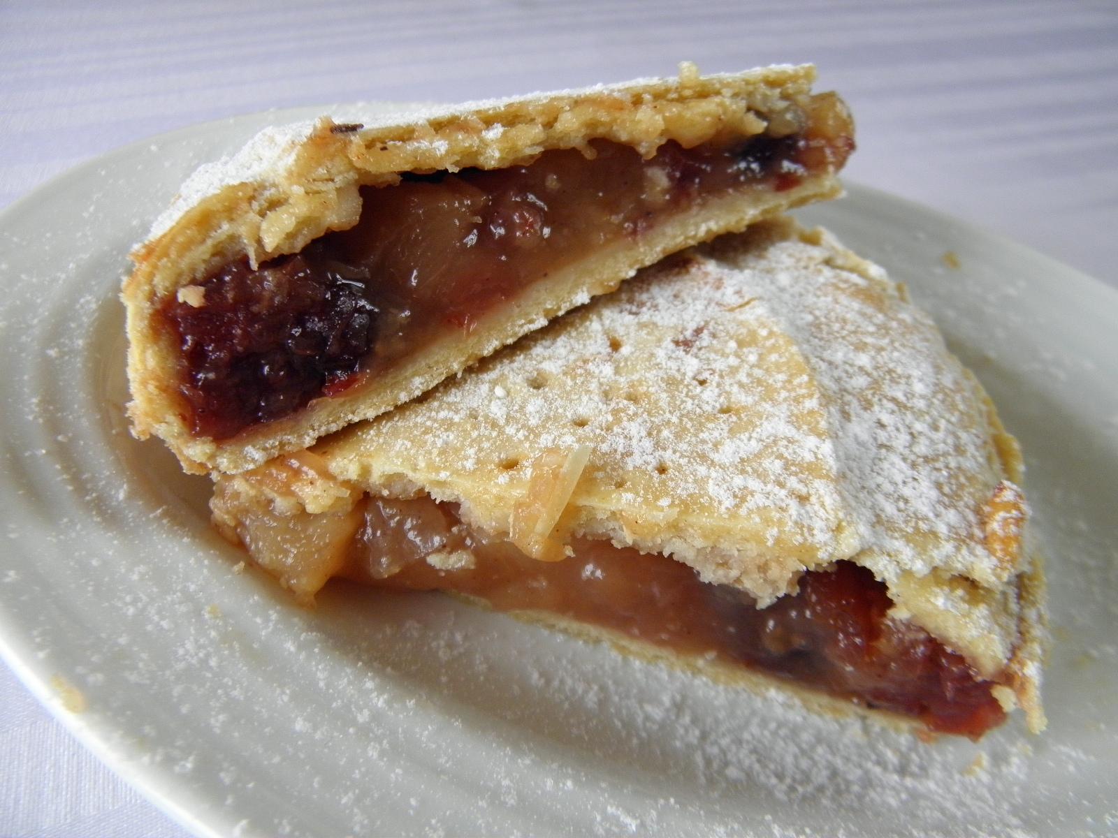 Křehký koláč s jablkovou náplní