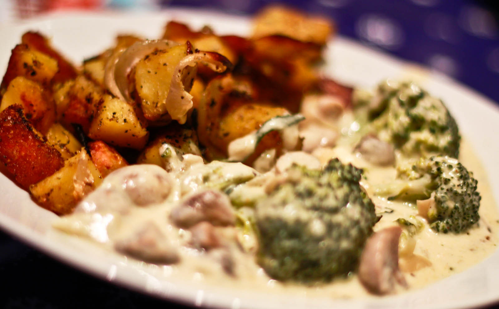 Fotografie receptu: Brokolice s nivovo-houbovou omáčkou