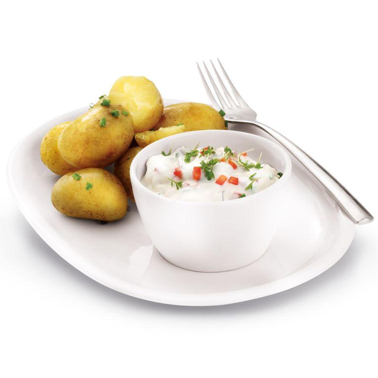 Nové brambory s paprikovou pomazánkou