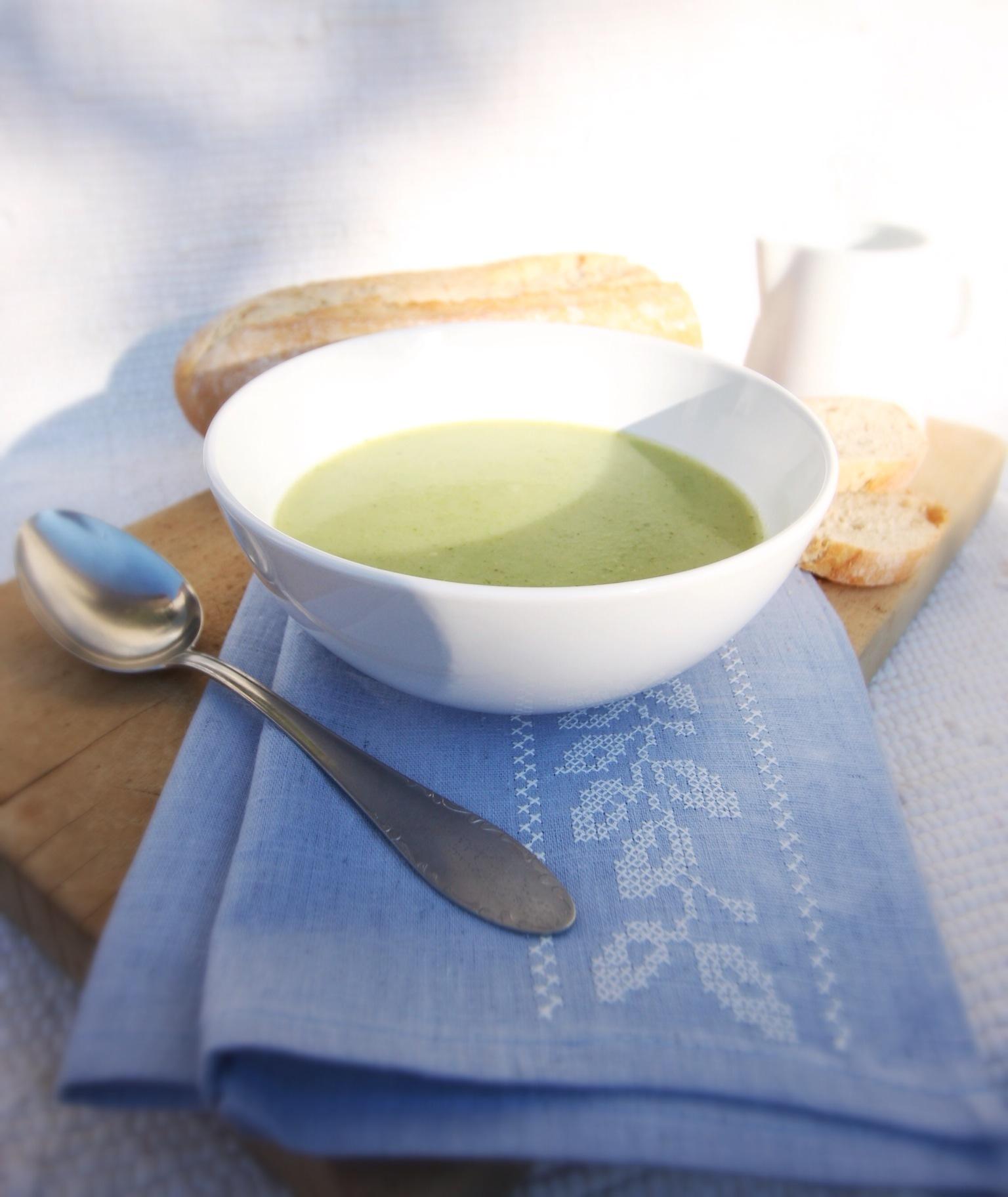 Brokolicová polévka s muškátovým oříškem