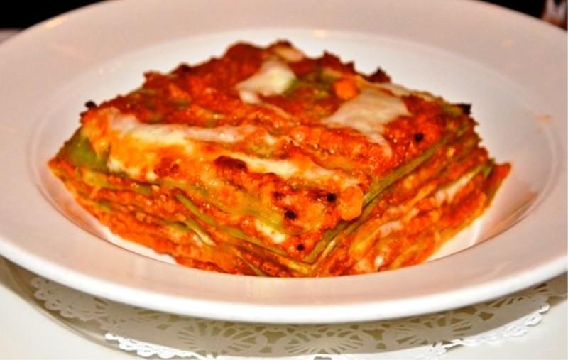 Chutné lasagne s mletým masem a bešamelem