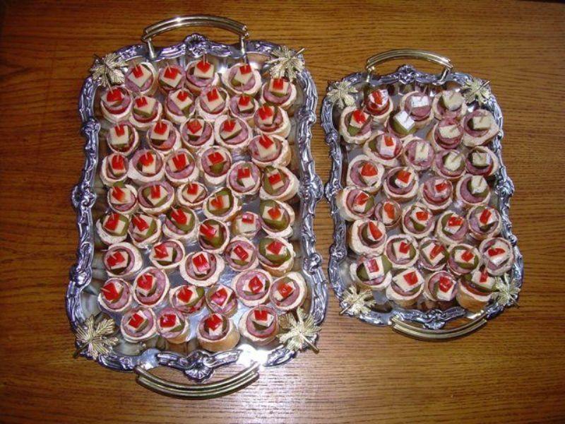 Fotografie receptu: Jemná česneková pomazánka na jednohubky