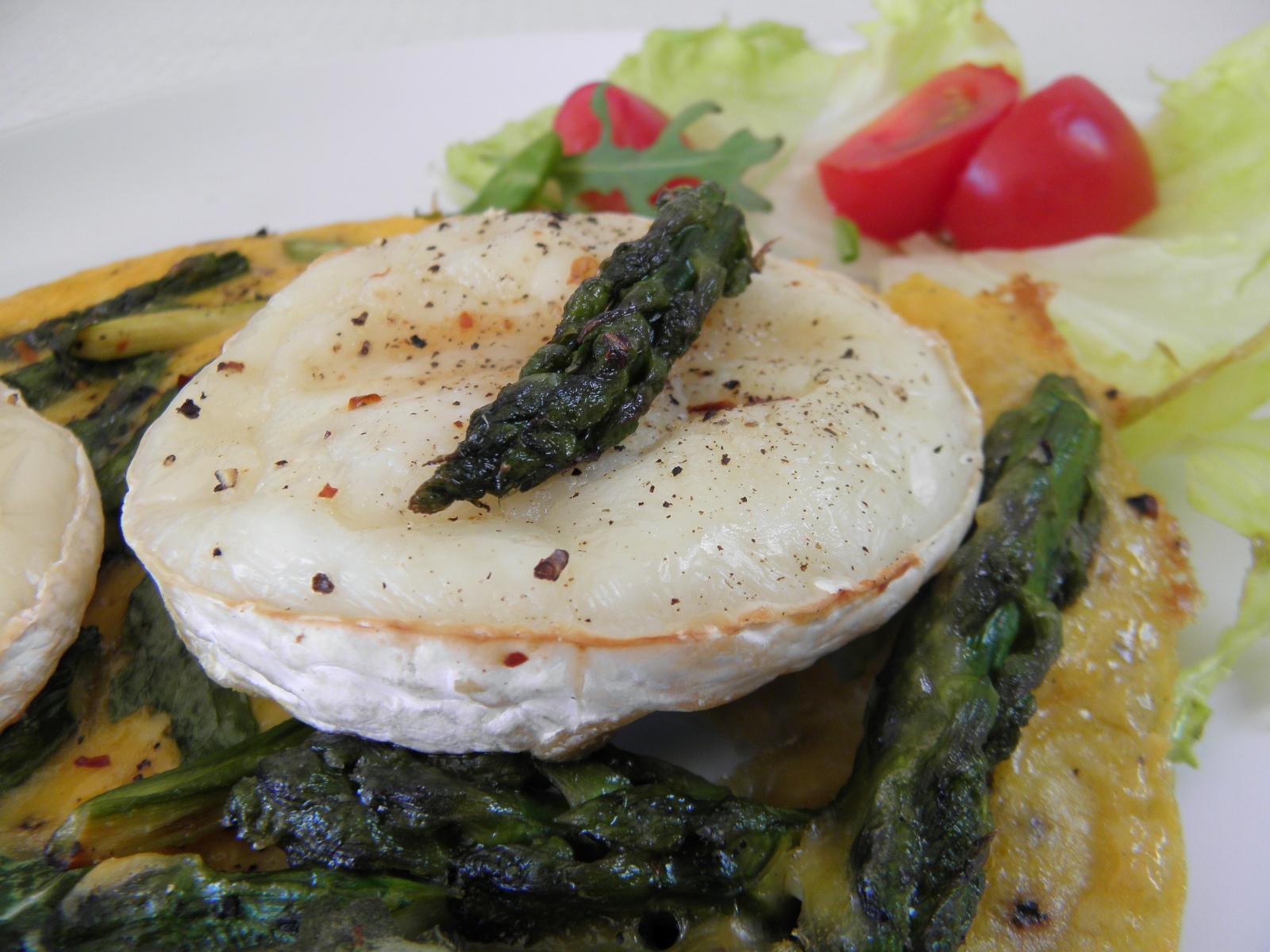 Omeleta s chřestem a sýrem