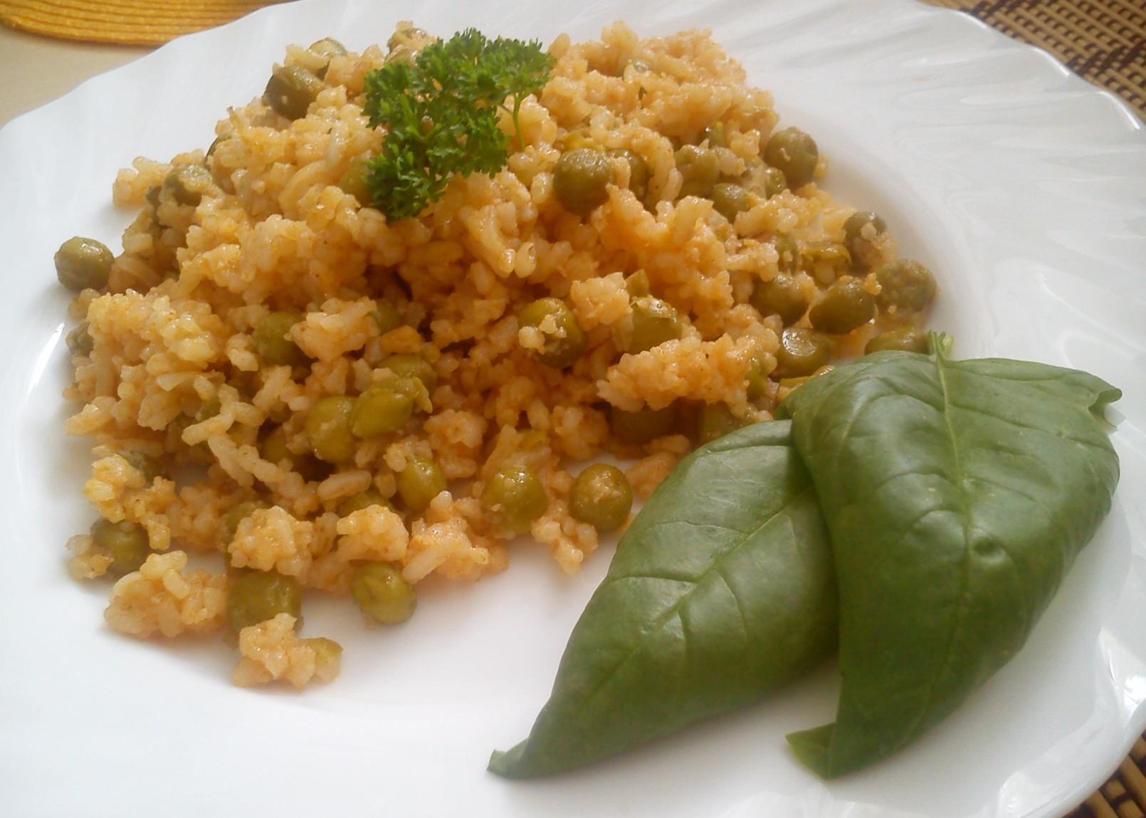 Hrášková rýže na červeno