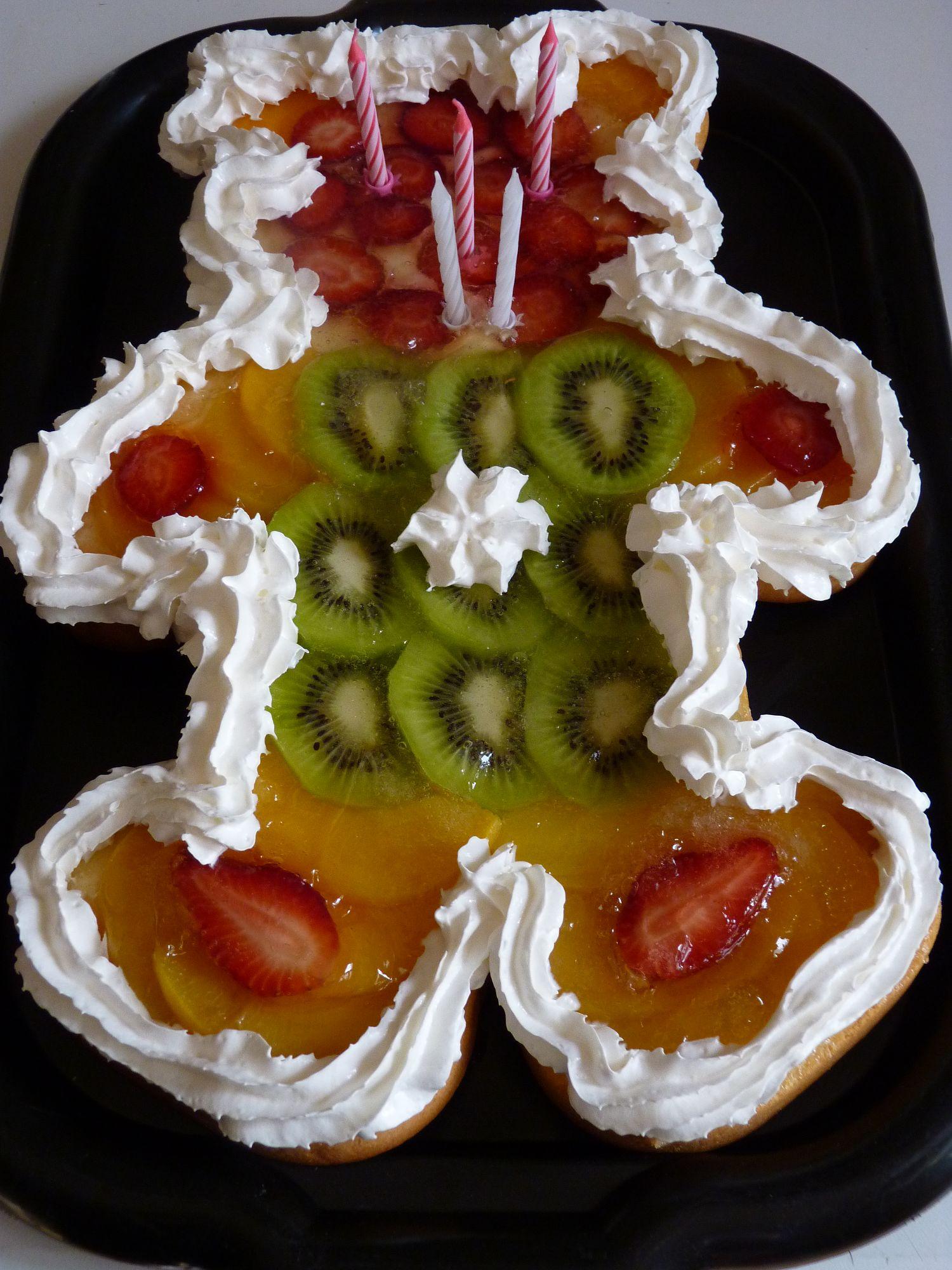 Narozeninový dort s ovocem