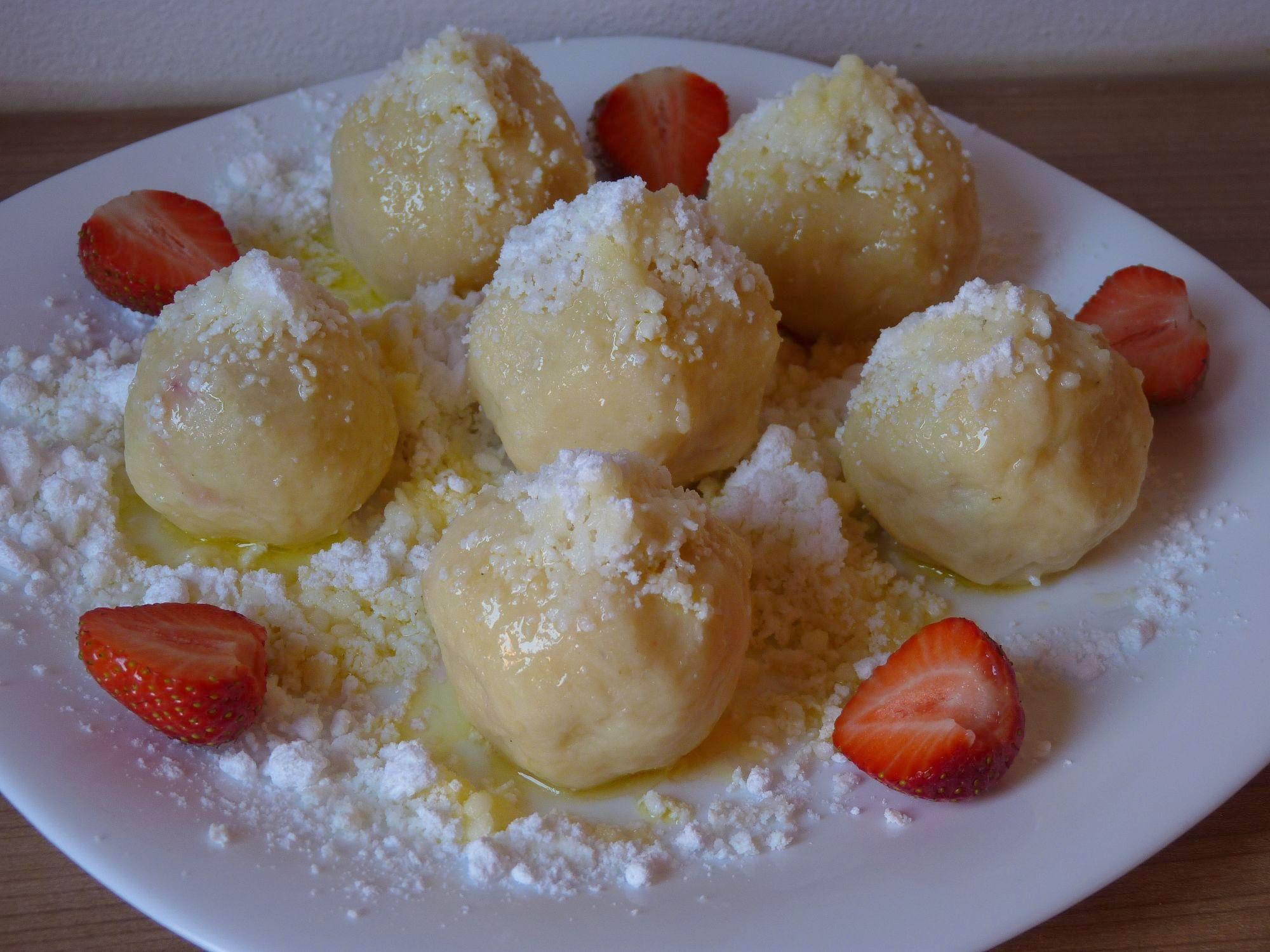 Bezlepkové tvarohové ovocné knedlíky