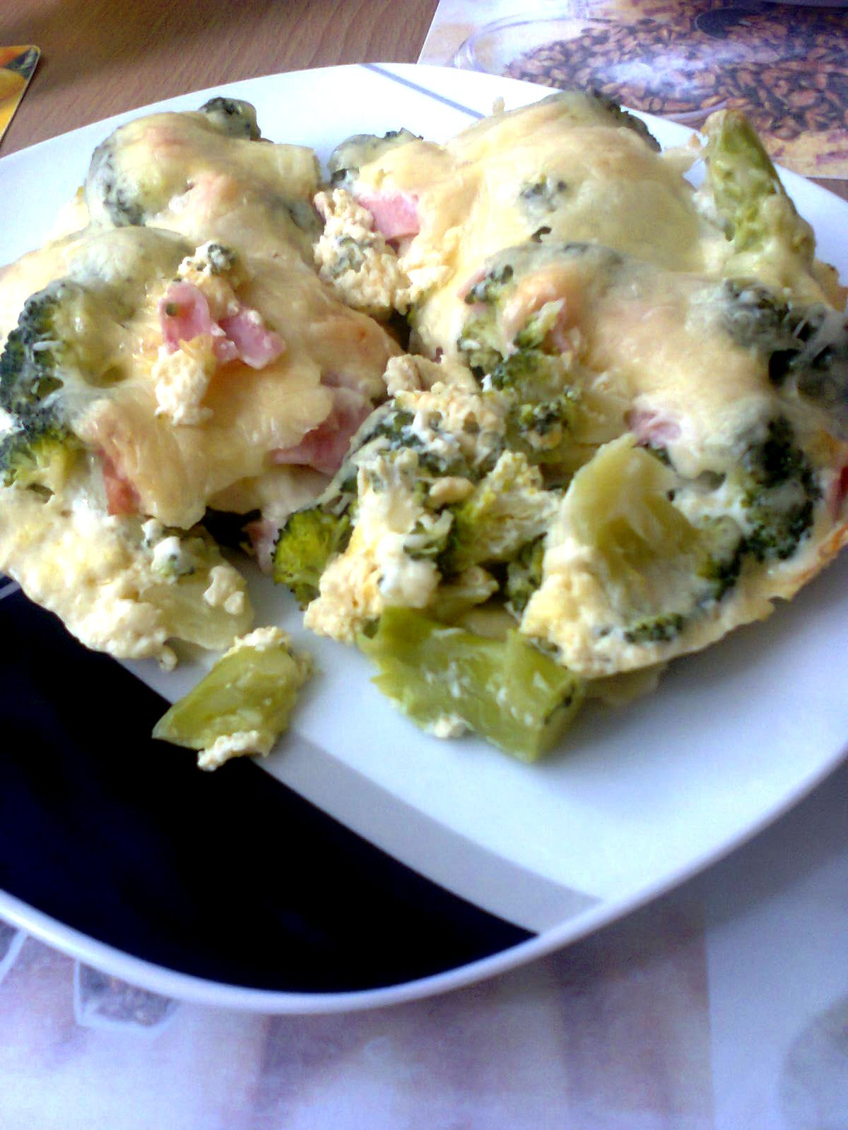 Zapečená brokolice se šunkou a sýrem