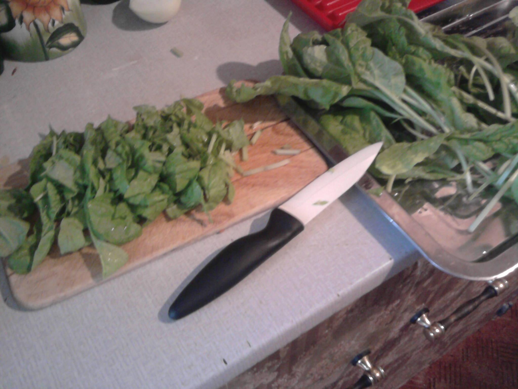 Těstoviny s tyčinkami surimi a mangoldem