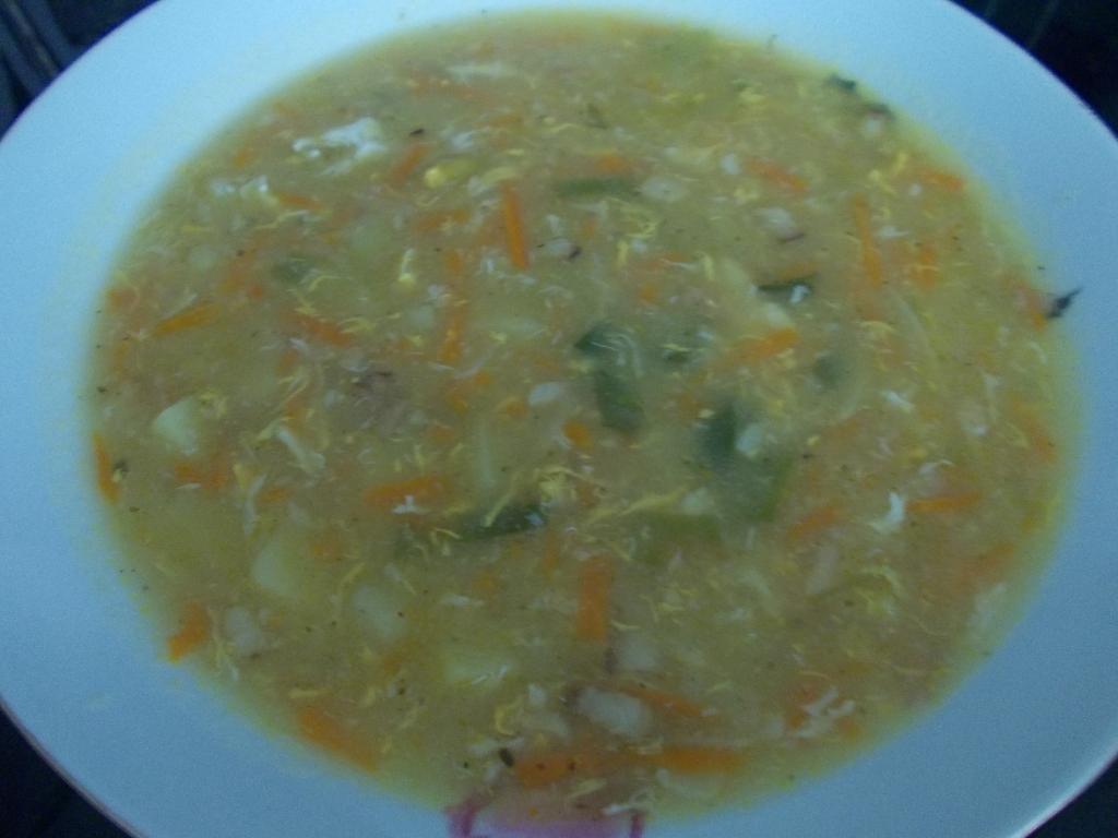 Zeleninová polévka s pórkem a bramborem