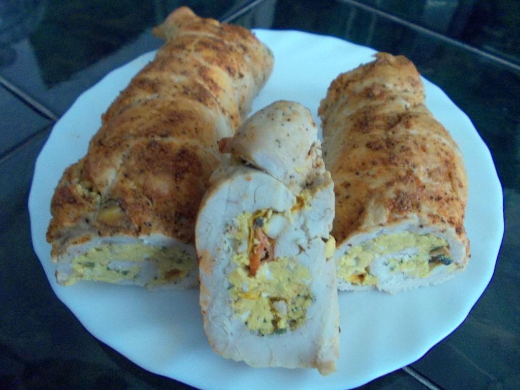 Krůtí roláda s vaječnou náplní