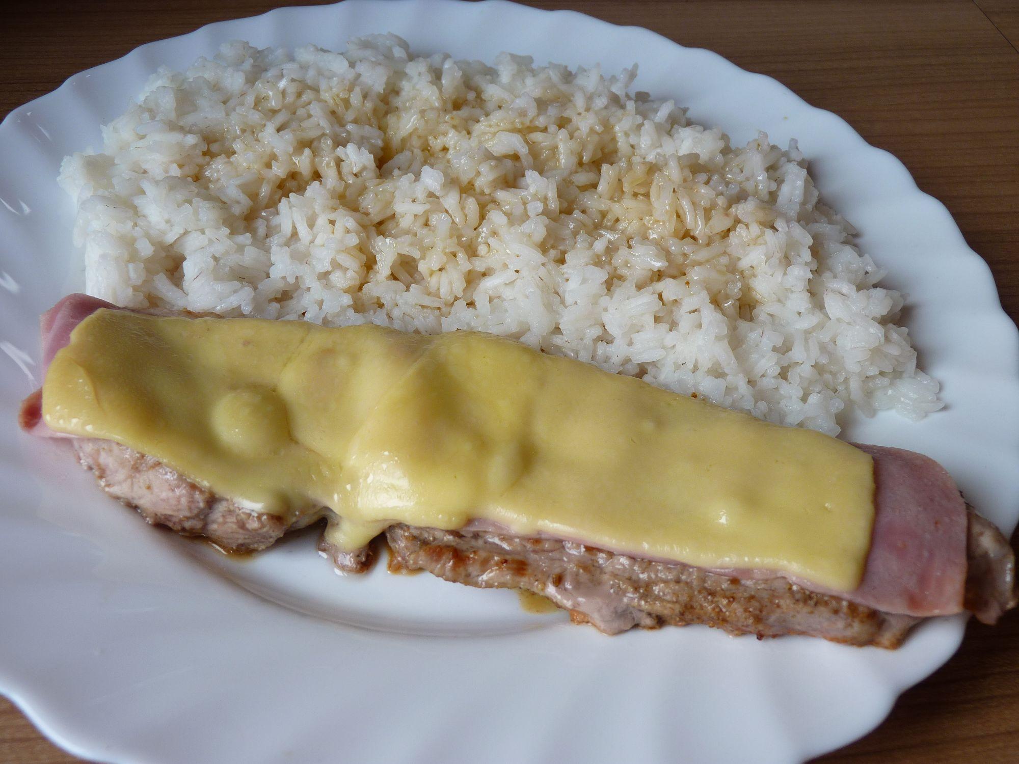 Fotografie receptu: Vepřový steak se šunkou a sýrem