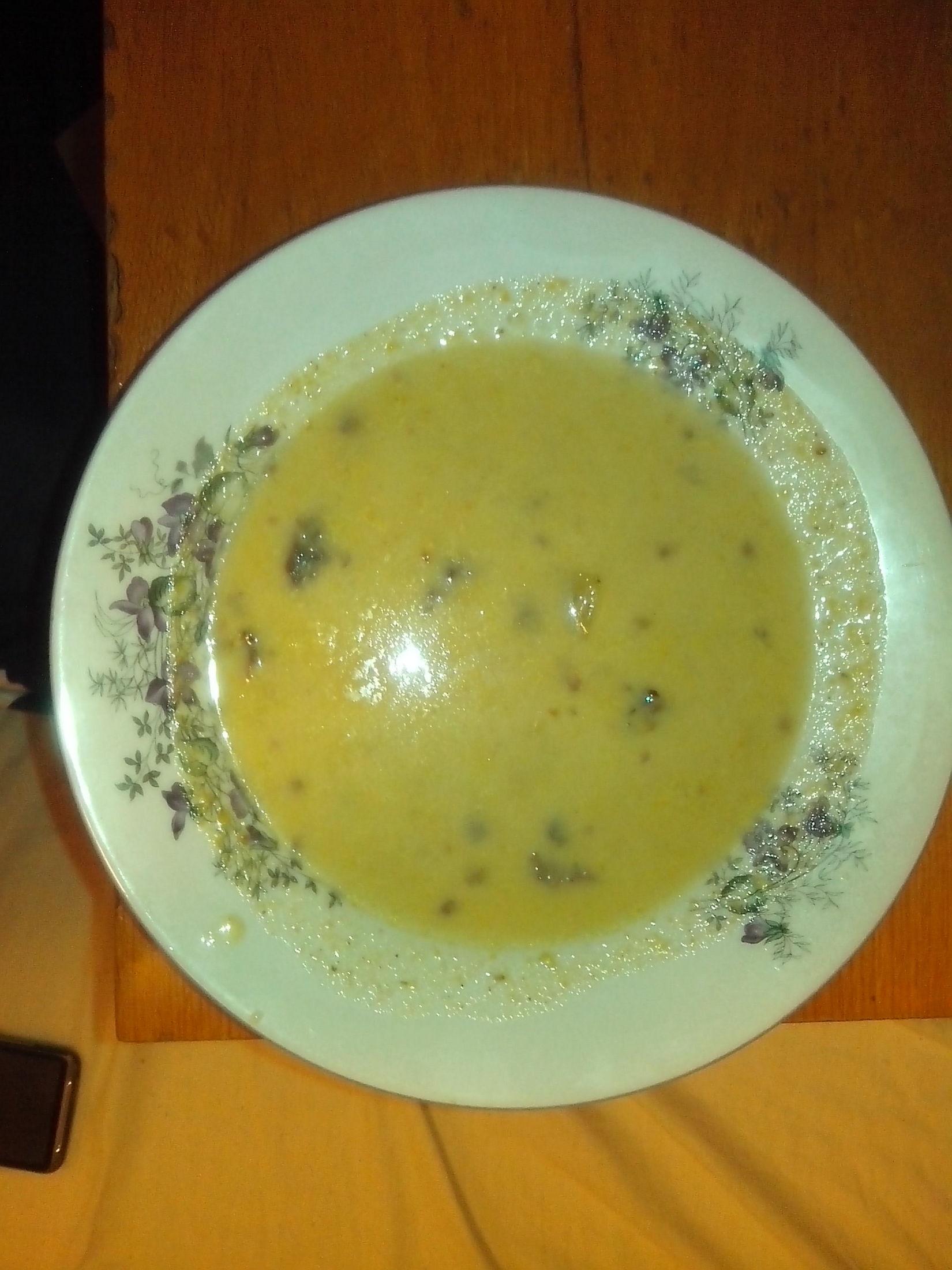 Králičí bílá polévka