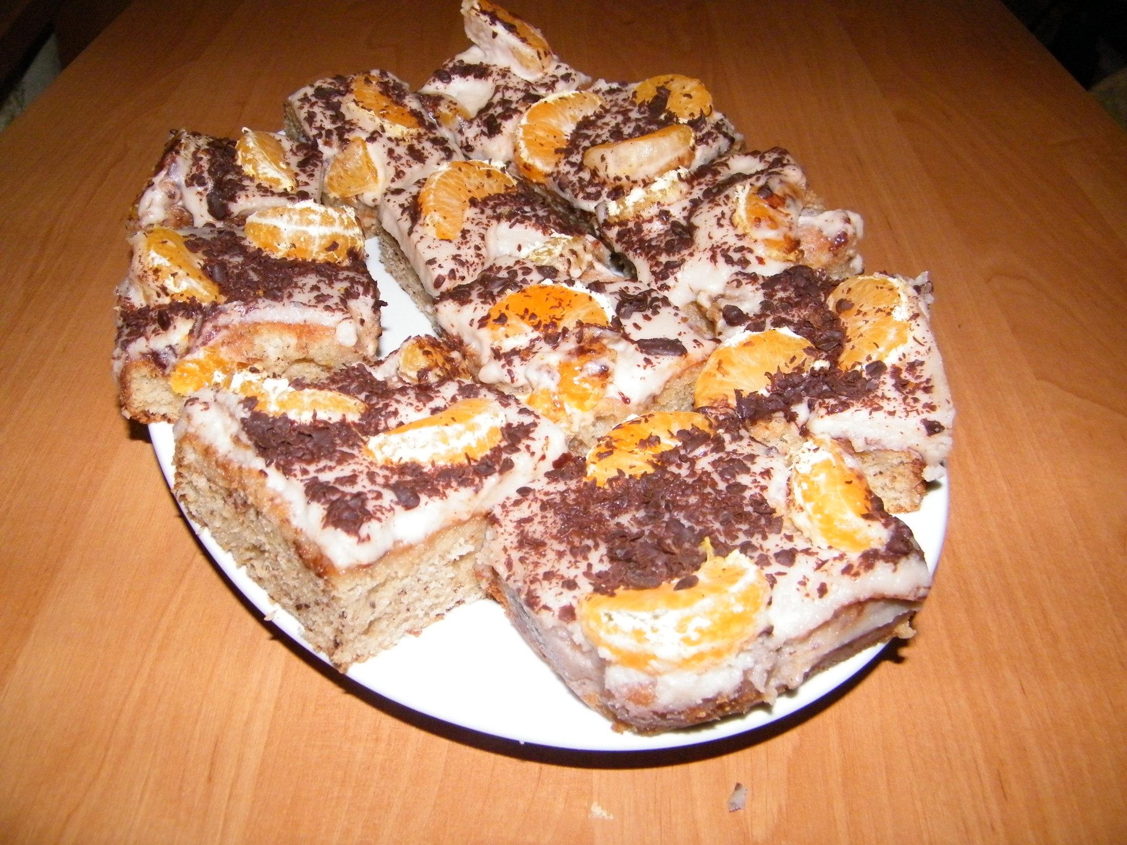 Margot buchta s čokoládou a ovocem