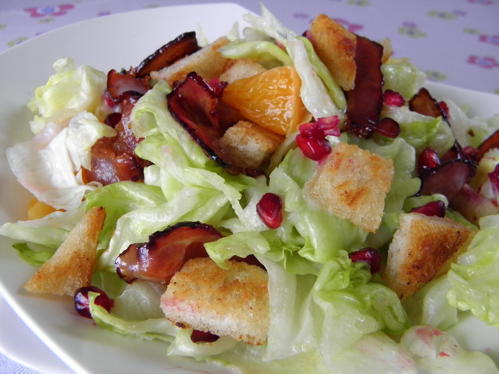 Jarní salát se slaninou