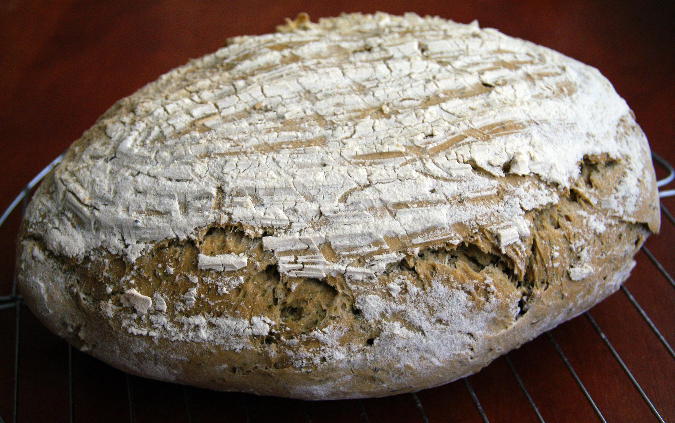 Fotografie receptu: Pivní chléb s žitným kváskem