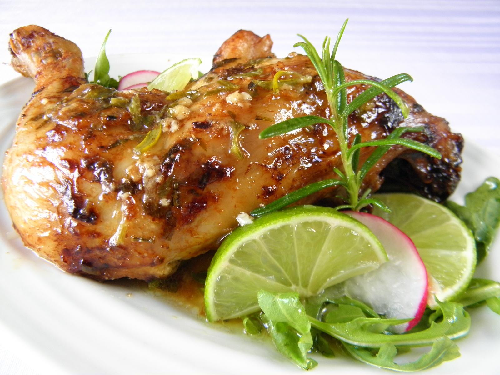 Pečené kuřecí stehno s chutí limetky