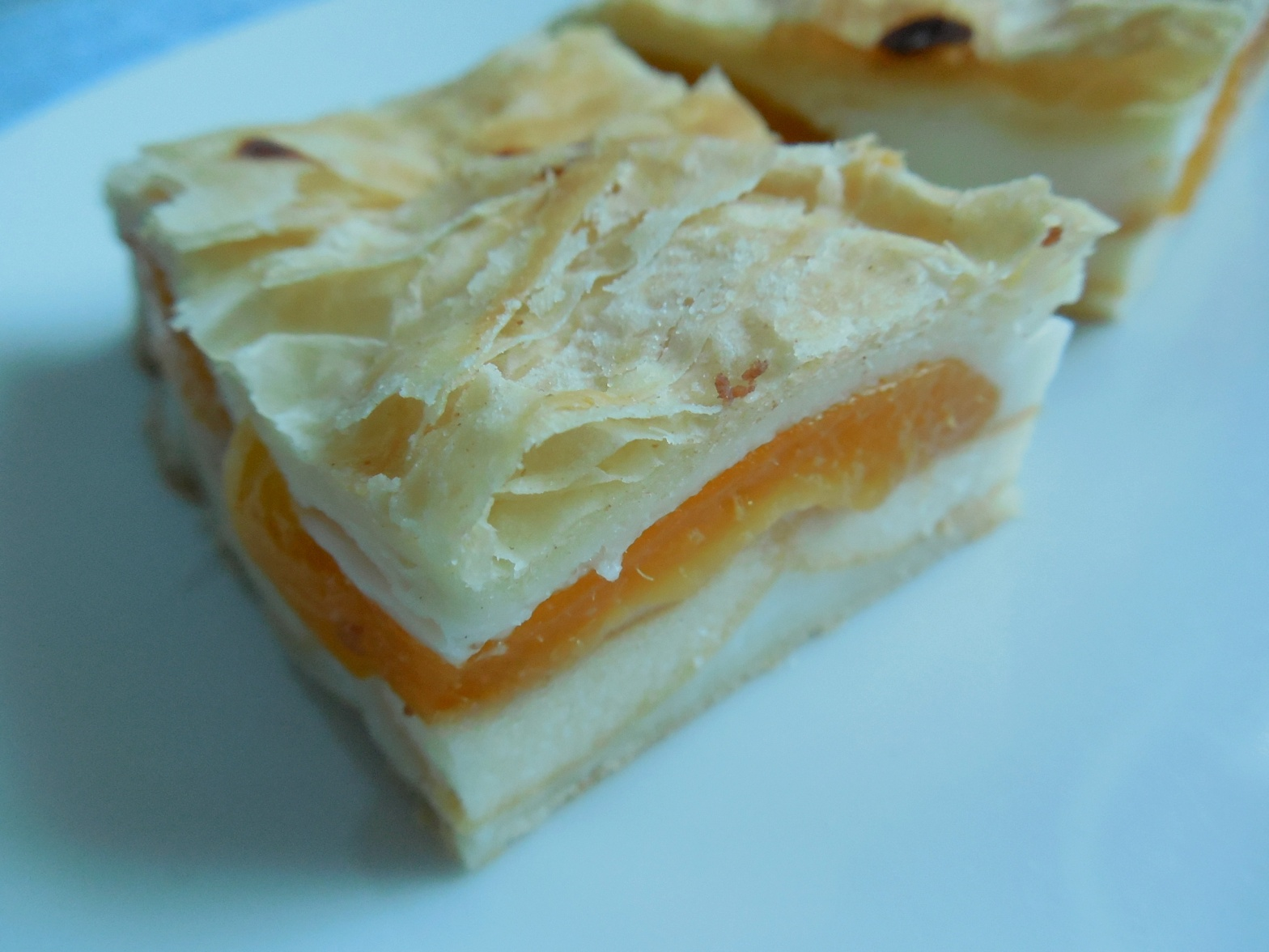 Fotografie receptu: Listové meruňkové řezy