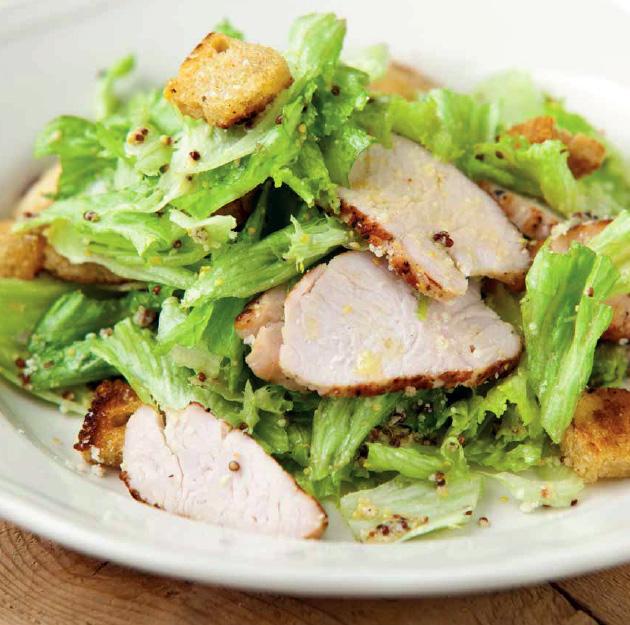 Fotografie receptu: Římský salát s pečeným krůtím masem