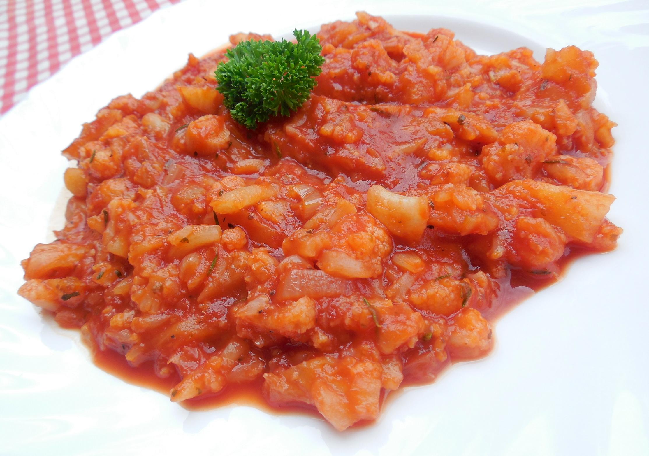 Fotografie receptu: Květák v rajčatové omáčce