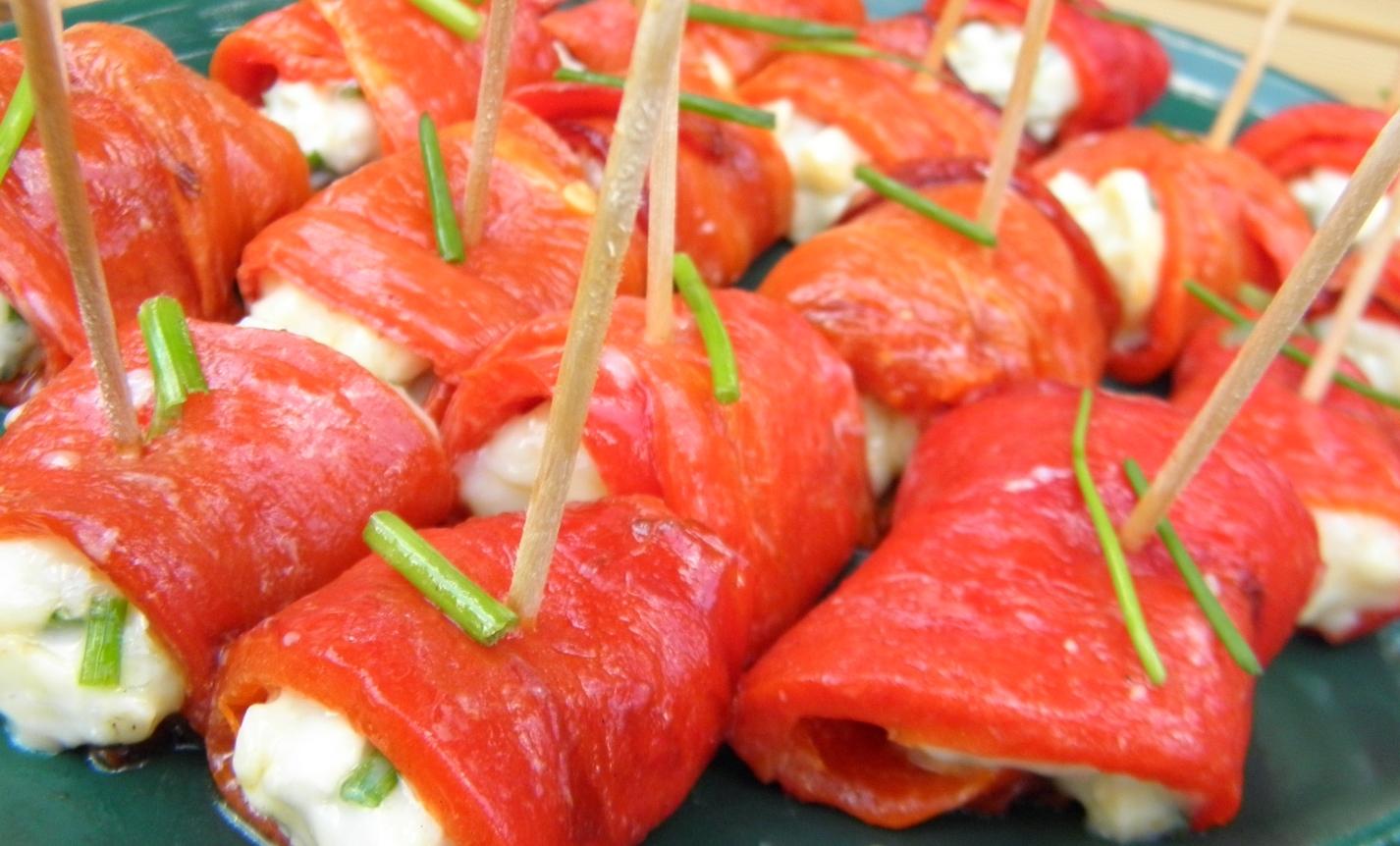 Paprikové chuťovky se sýrovou náplní