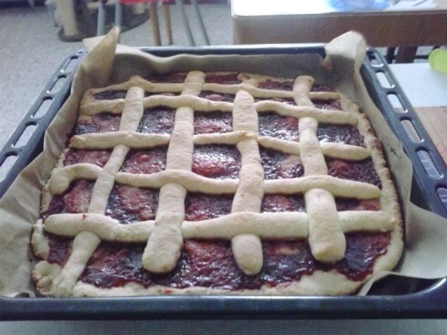 Rychlý mřížkový koláč s marmeládou