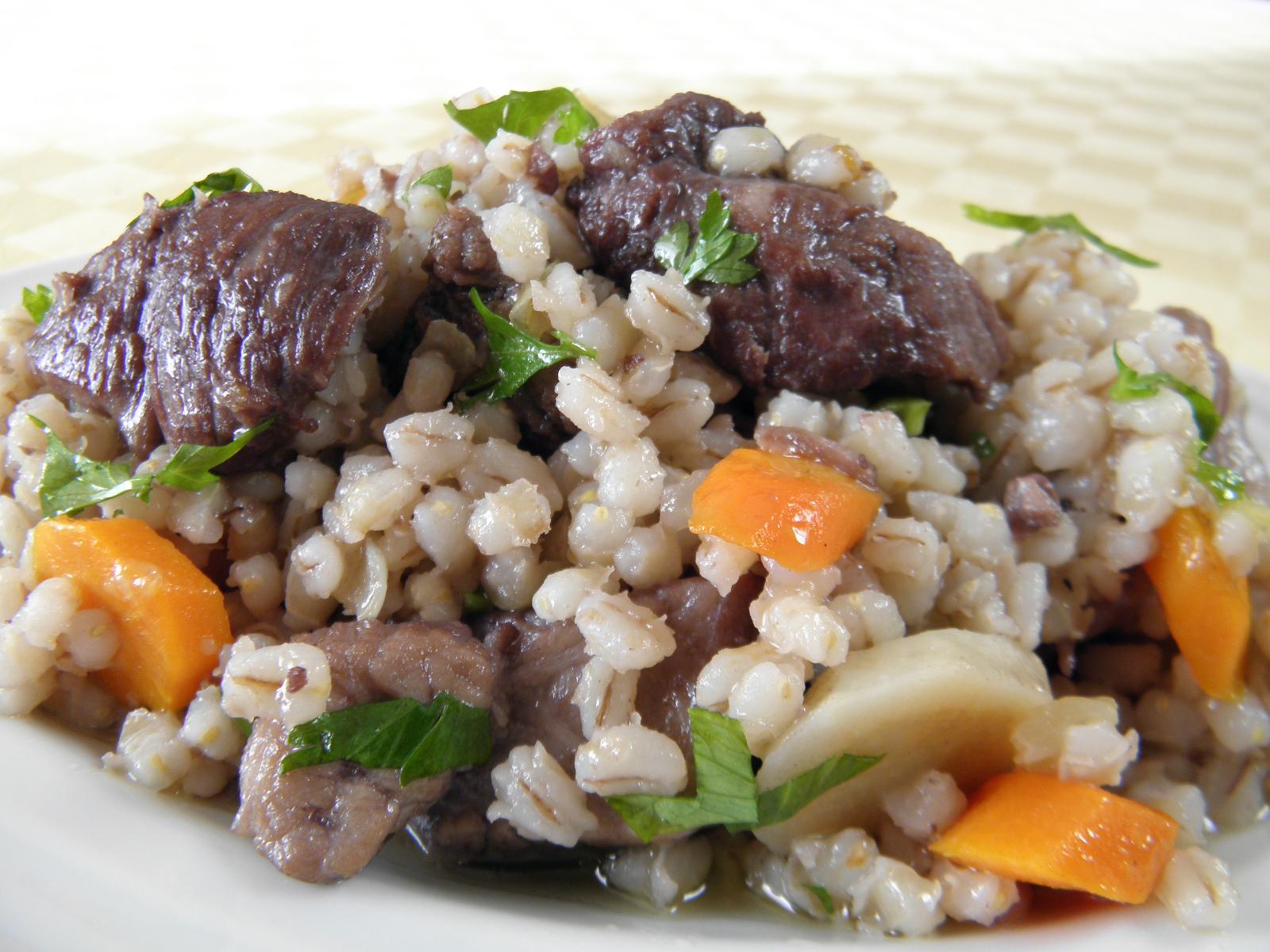 Fotografie receptu: Dušené vepřové s kroupami a zeleninou
