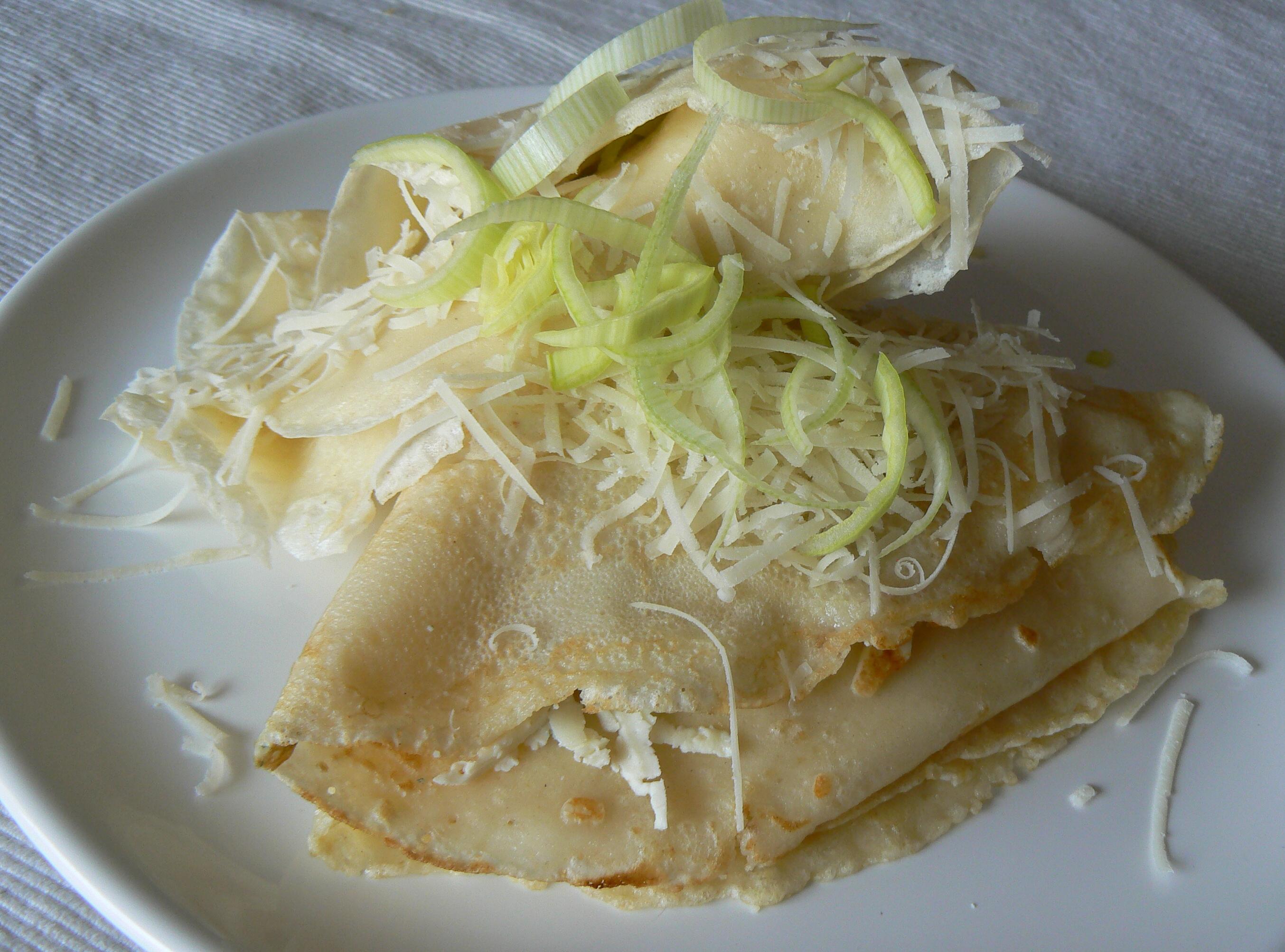 Palačinky s pórkem a variací sýrů