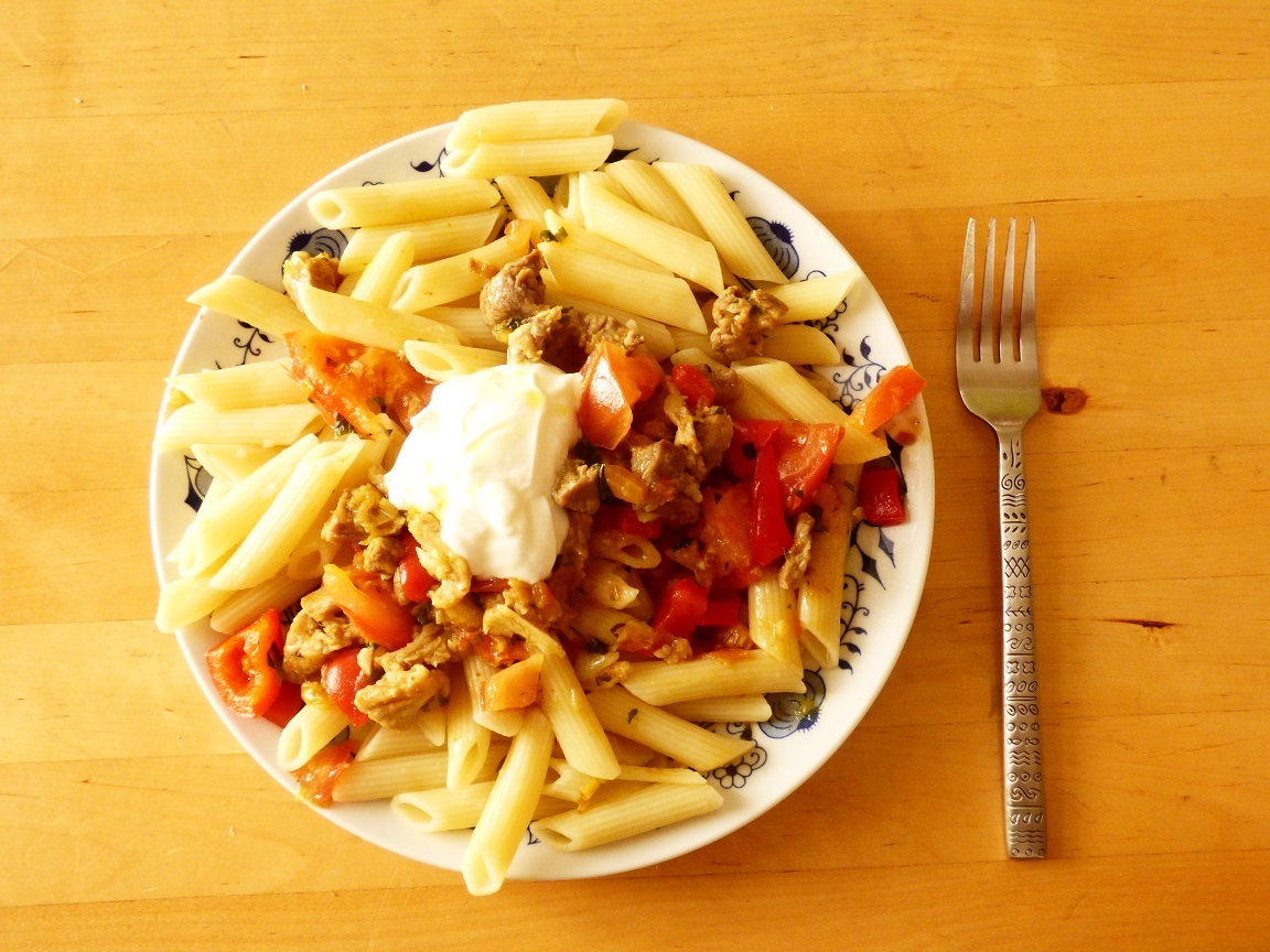 Dřevorubecké podzimní špagety s vepřovým a zeleninou