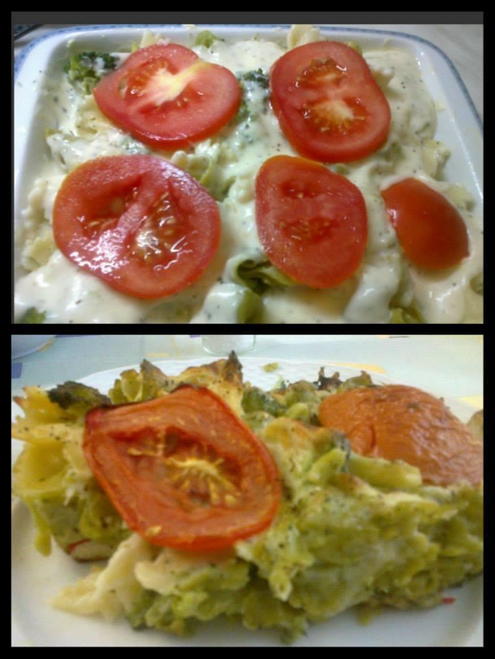 Zapečené těstoviny s brokolicí, krabími tyčinkami a sýrovou omáčkou