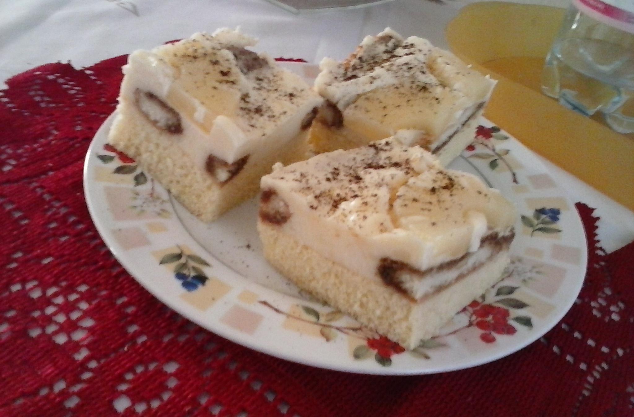Fotografie receptu: Lahodné ananasové řezy s piškotem