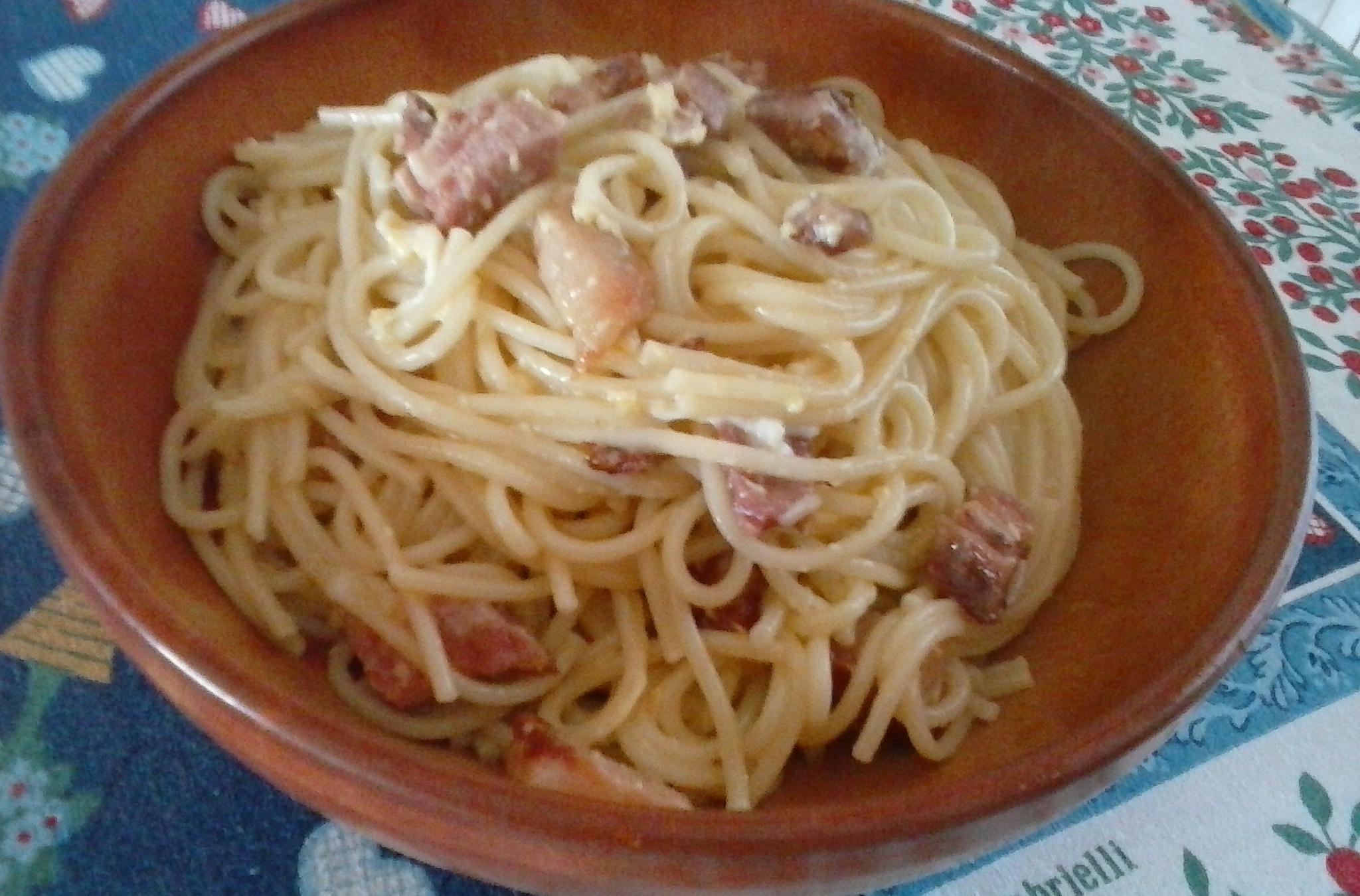 Levné těstoviny se slaninou