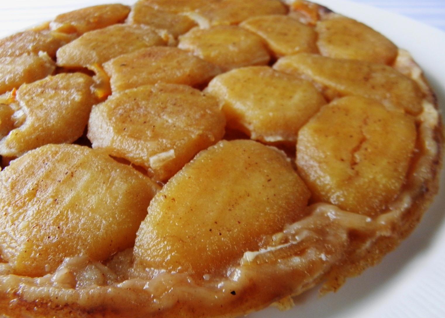 Rychlý jablkový koláč z listového těsta