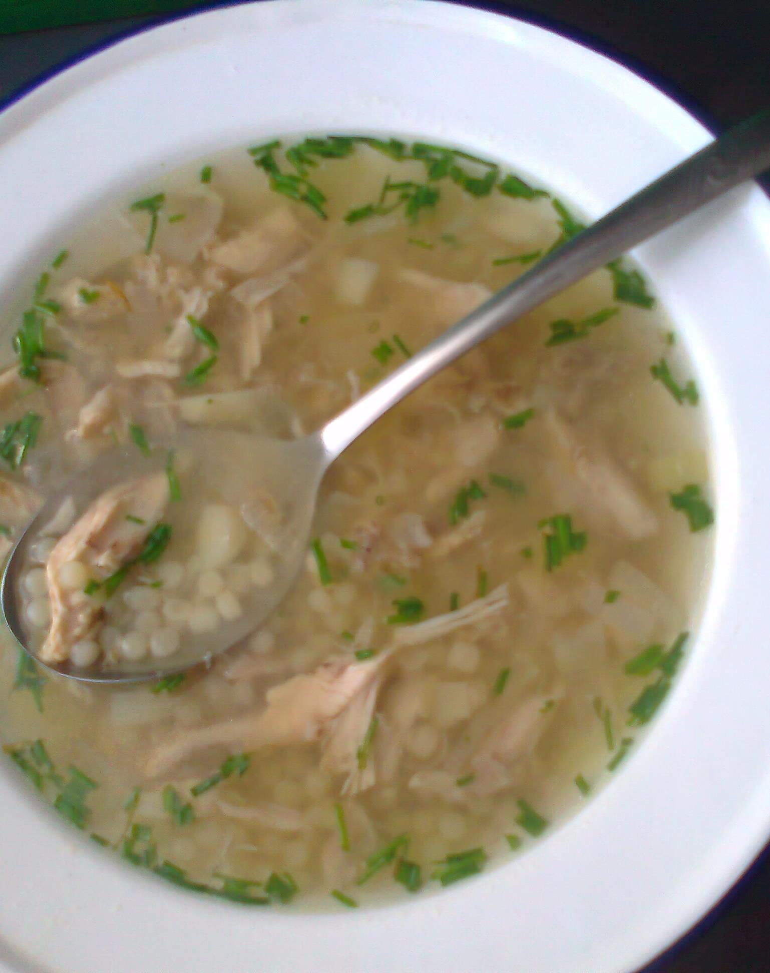 Tetina kuřecí polévka s pórkem