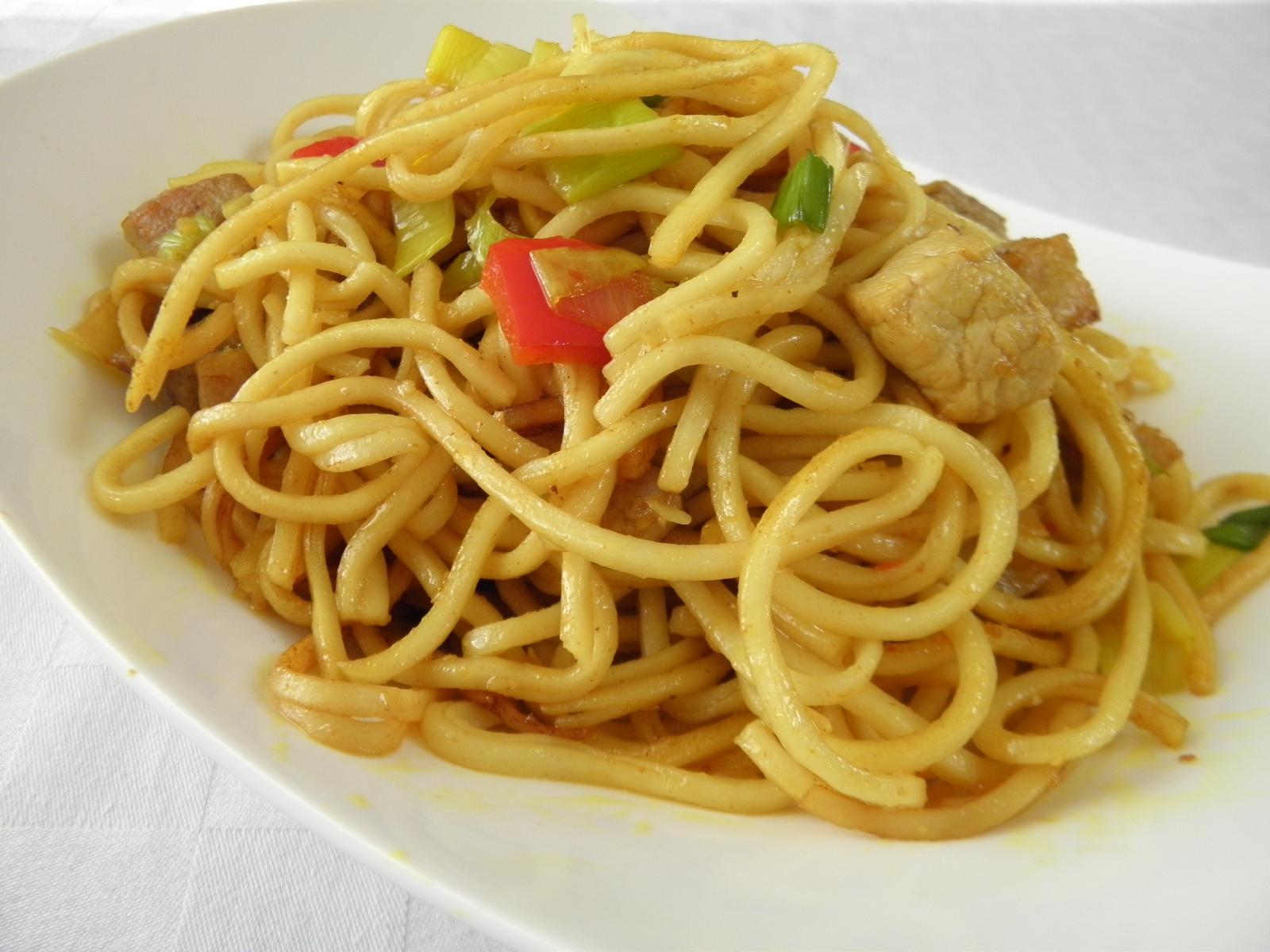 Pikantní špagety s krůtím masem
