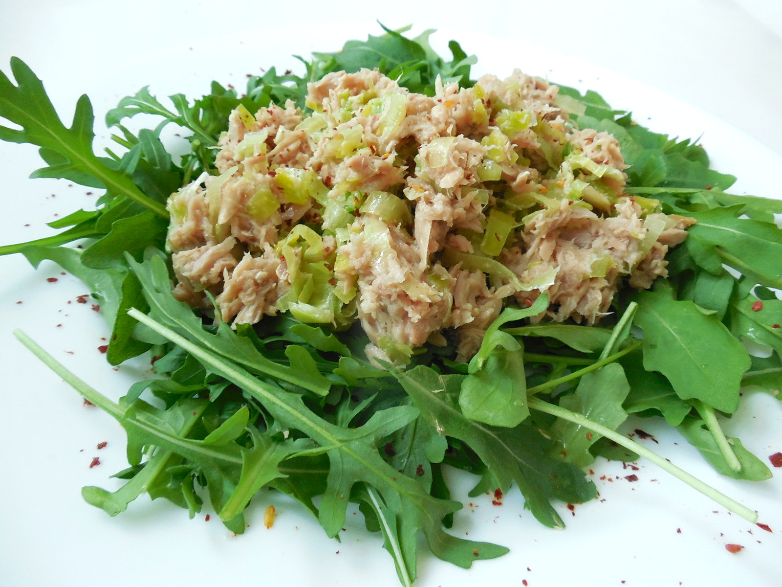 Fotografie receptu: Tuňákový salát s rukolou