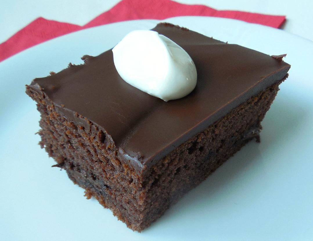 Jogurtový koláč s čokoládou