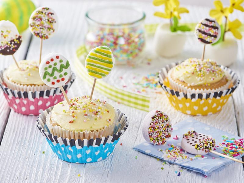 Cupcakes s  velikonočními lízátky