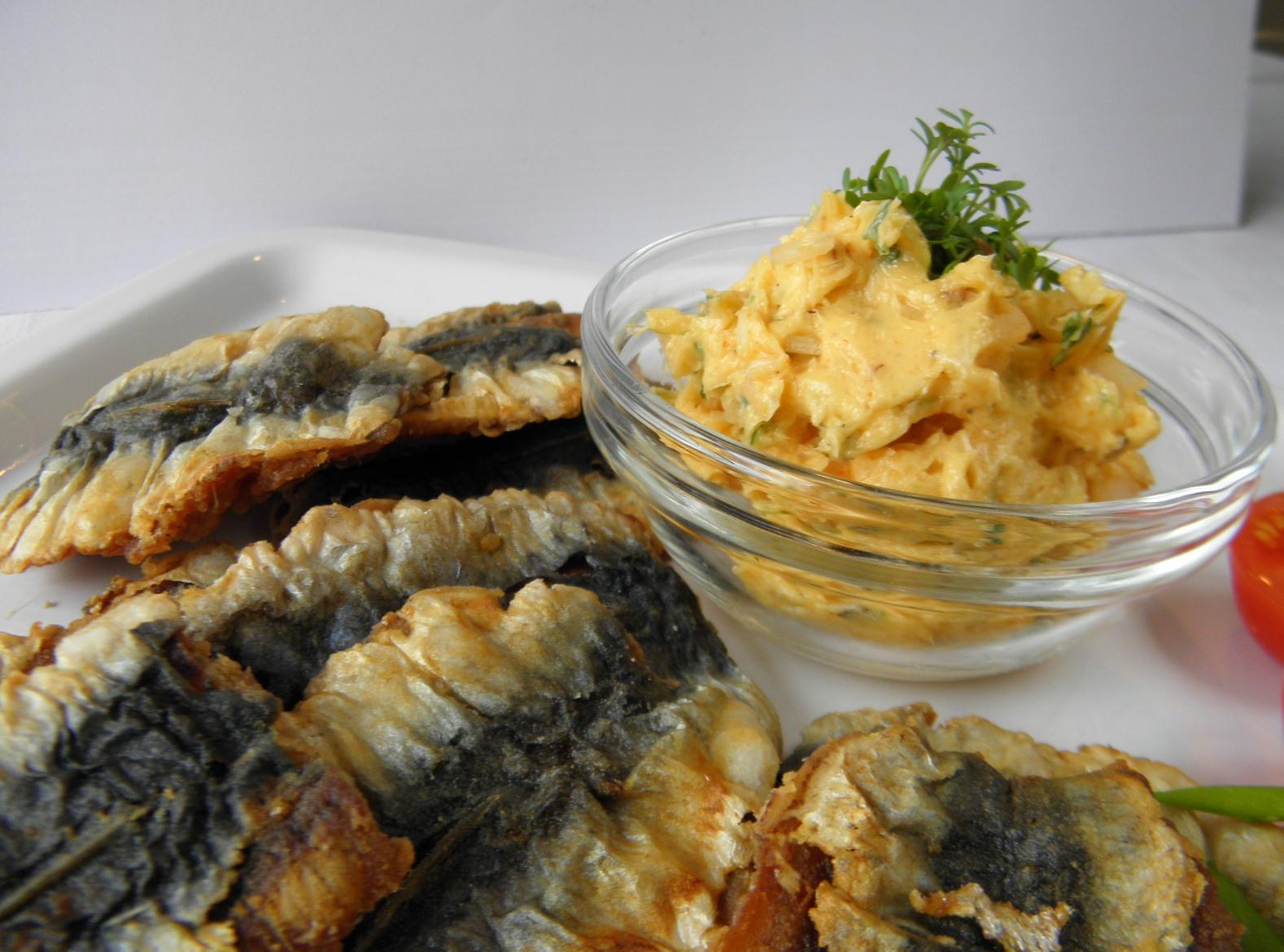 Řeřichové máslo se sardinkami
