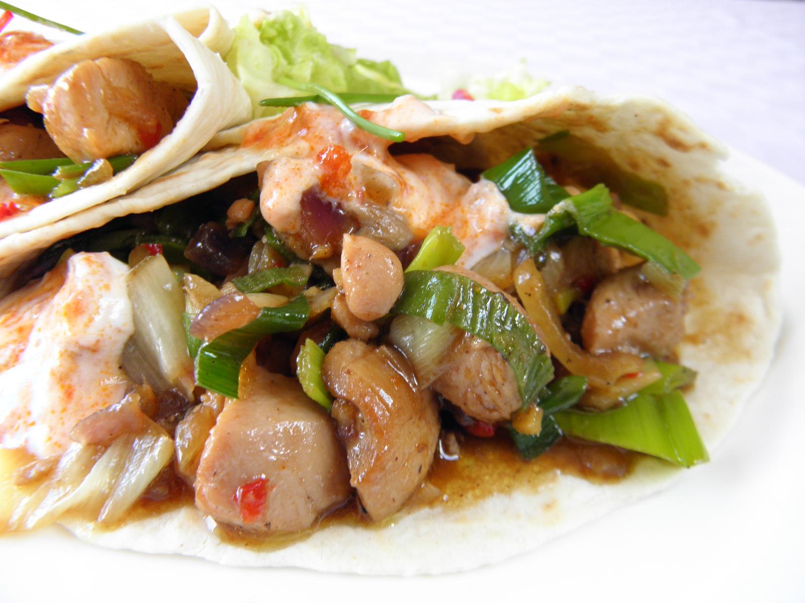 Fotografie receptu: Plněná kuřecí tortilla