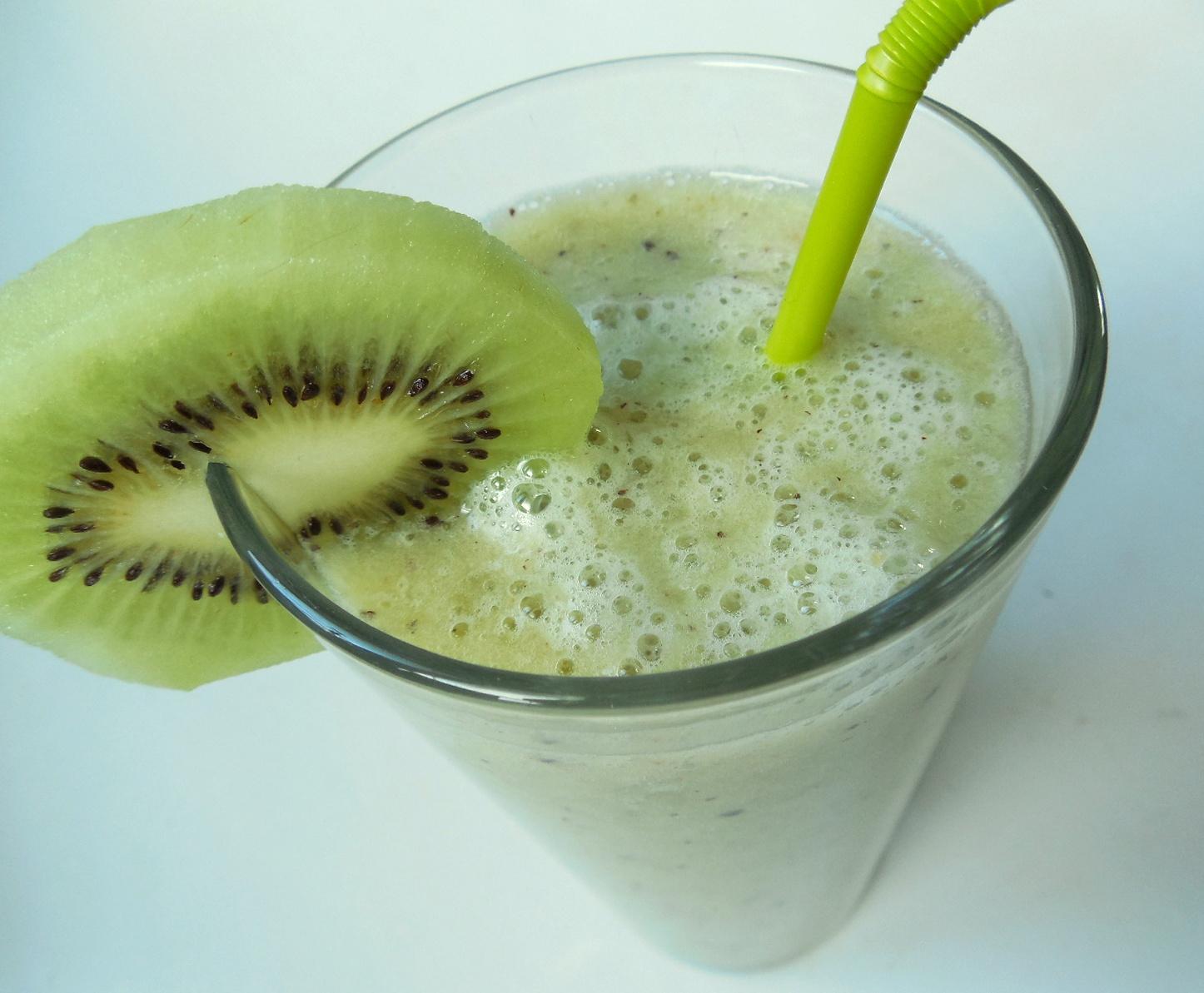 Smoothie z kiwi a banánu