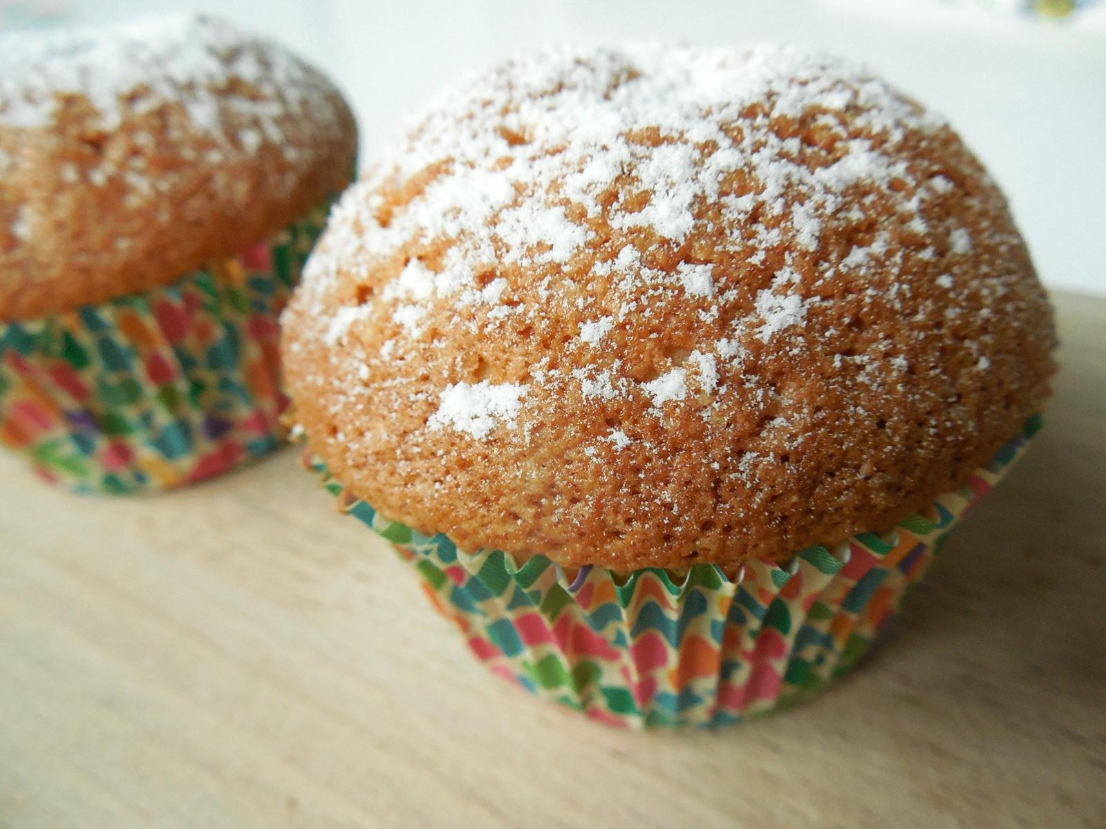 Šlehačkové muffiny s kandovaným ovocem