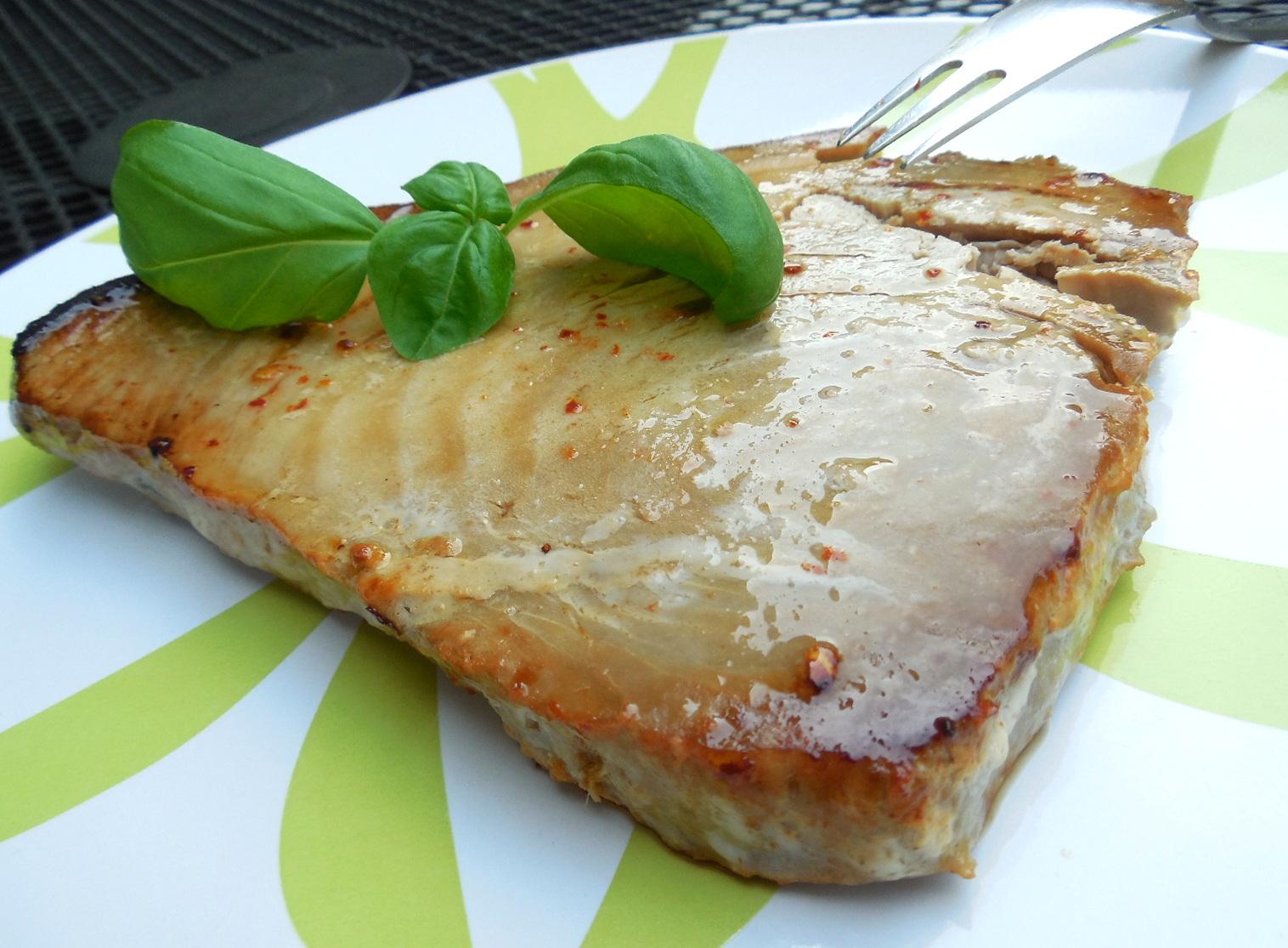 Tuňákový steak na grilu