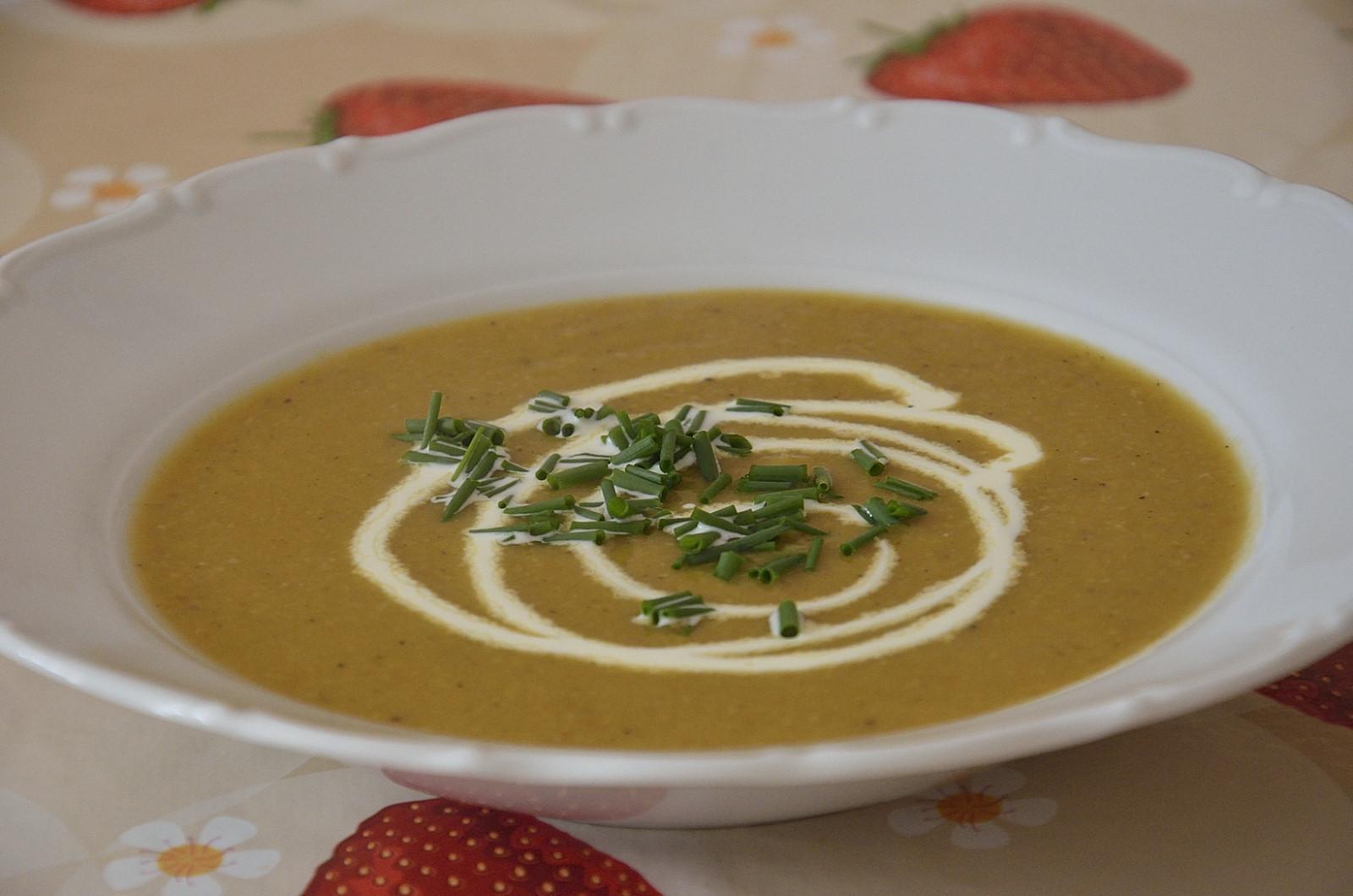 Cizrnová polévka po indicku