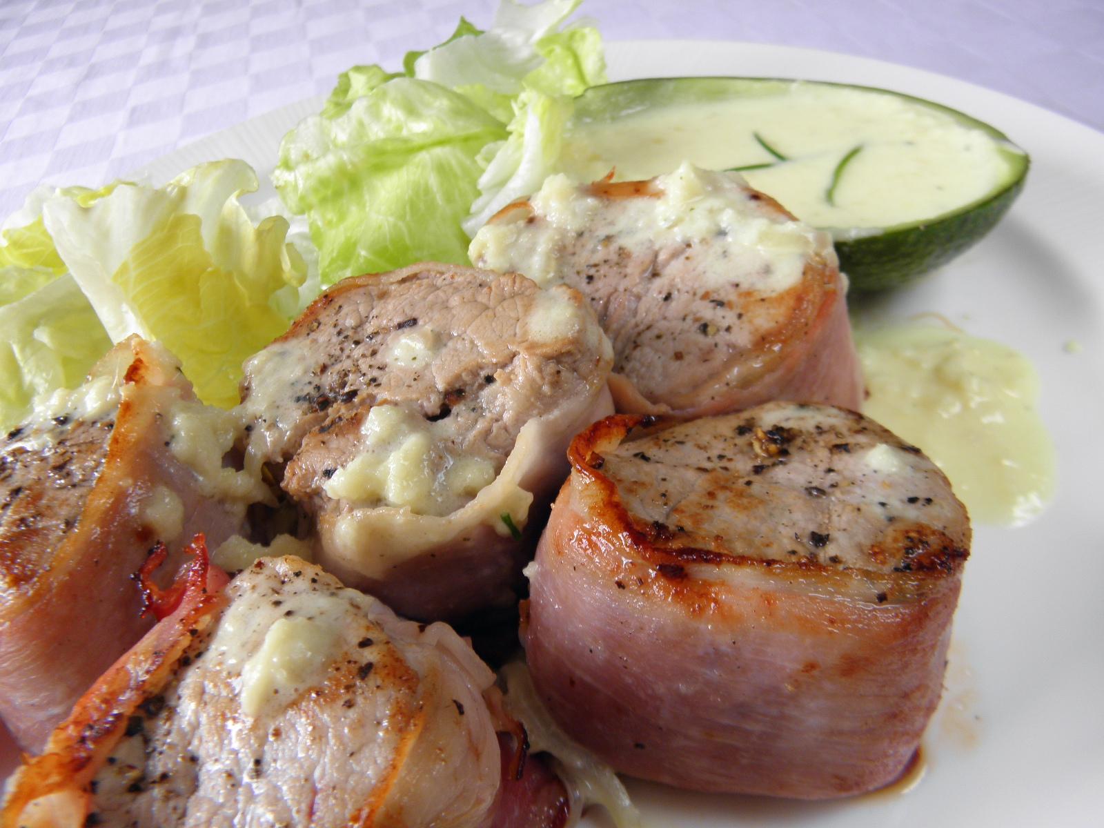 Fotografie receptu: Vepřové medailonky s avokádovým krémem