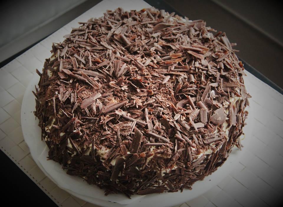 Višňovo-čokoládový dort s krémem z mascarpone