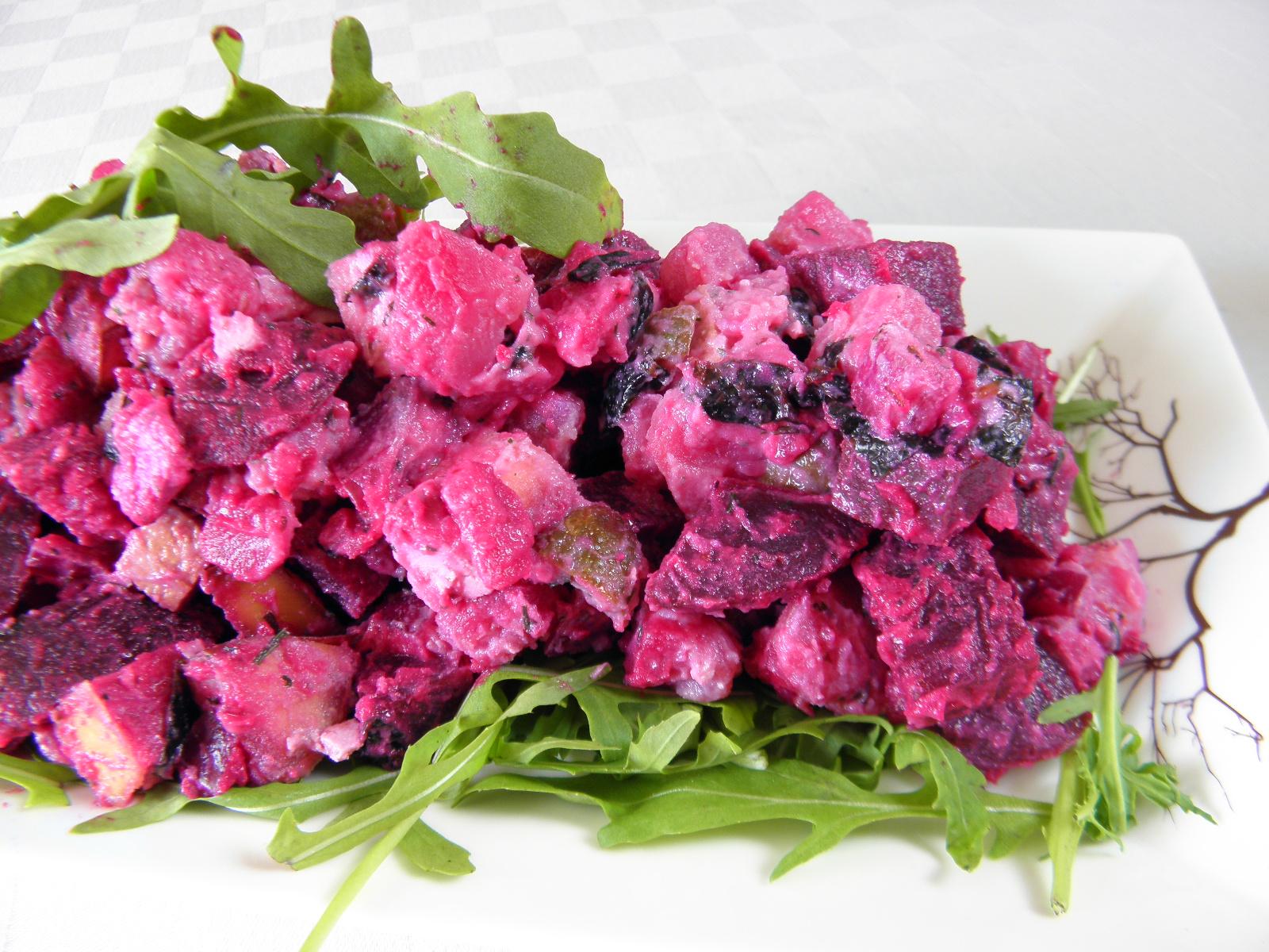 Veganský bramborový salát s tofu